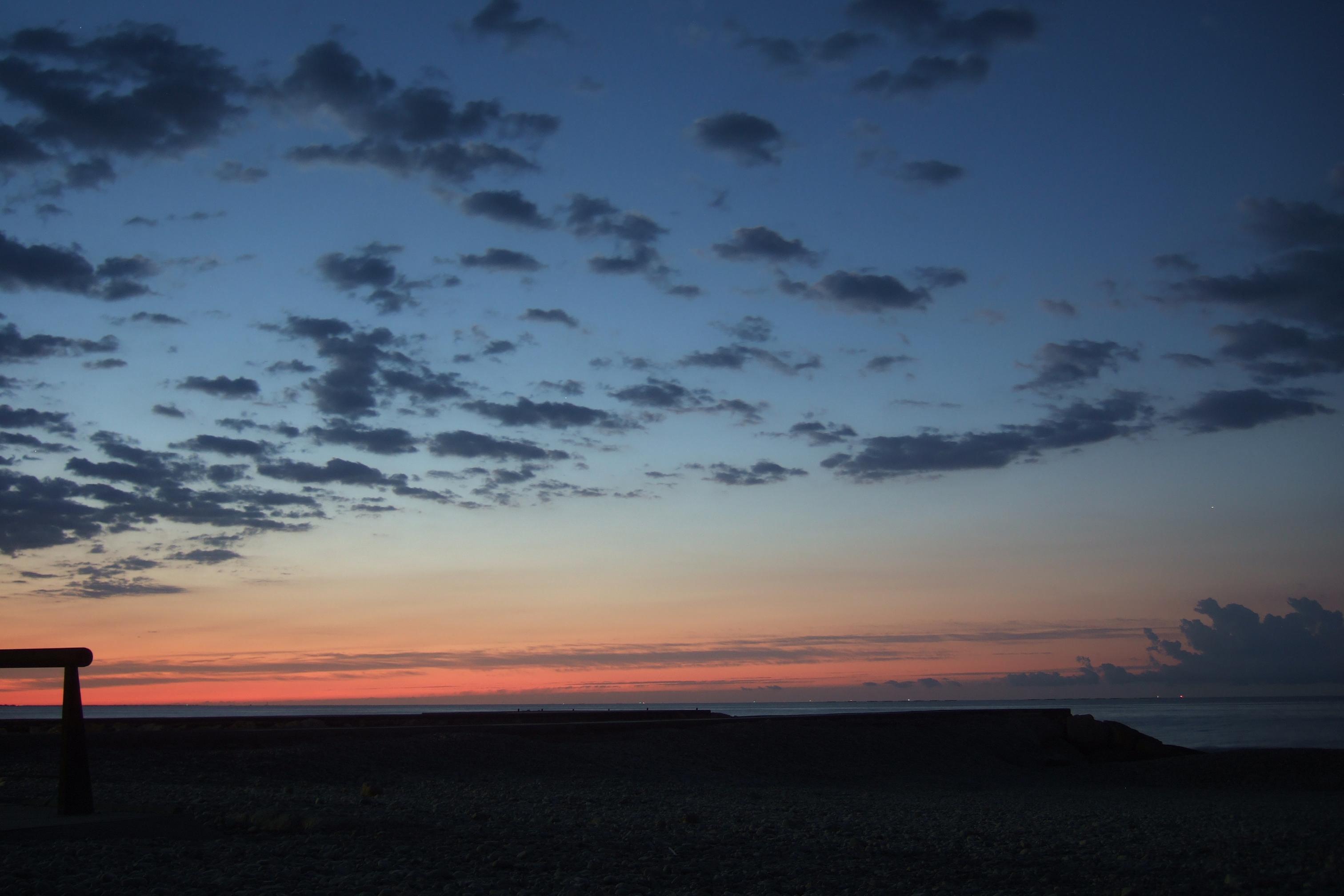 Foto playa El Marjal. Sortida de sol des de la platja del Marjal