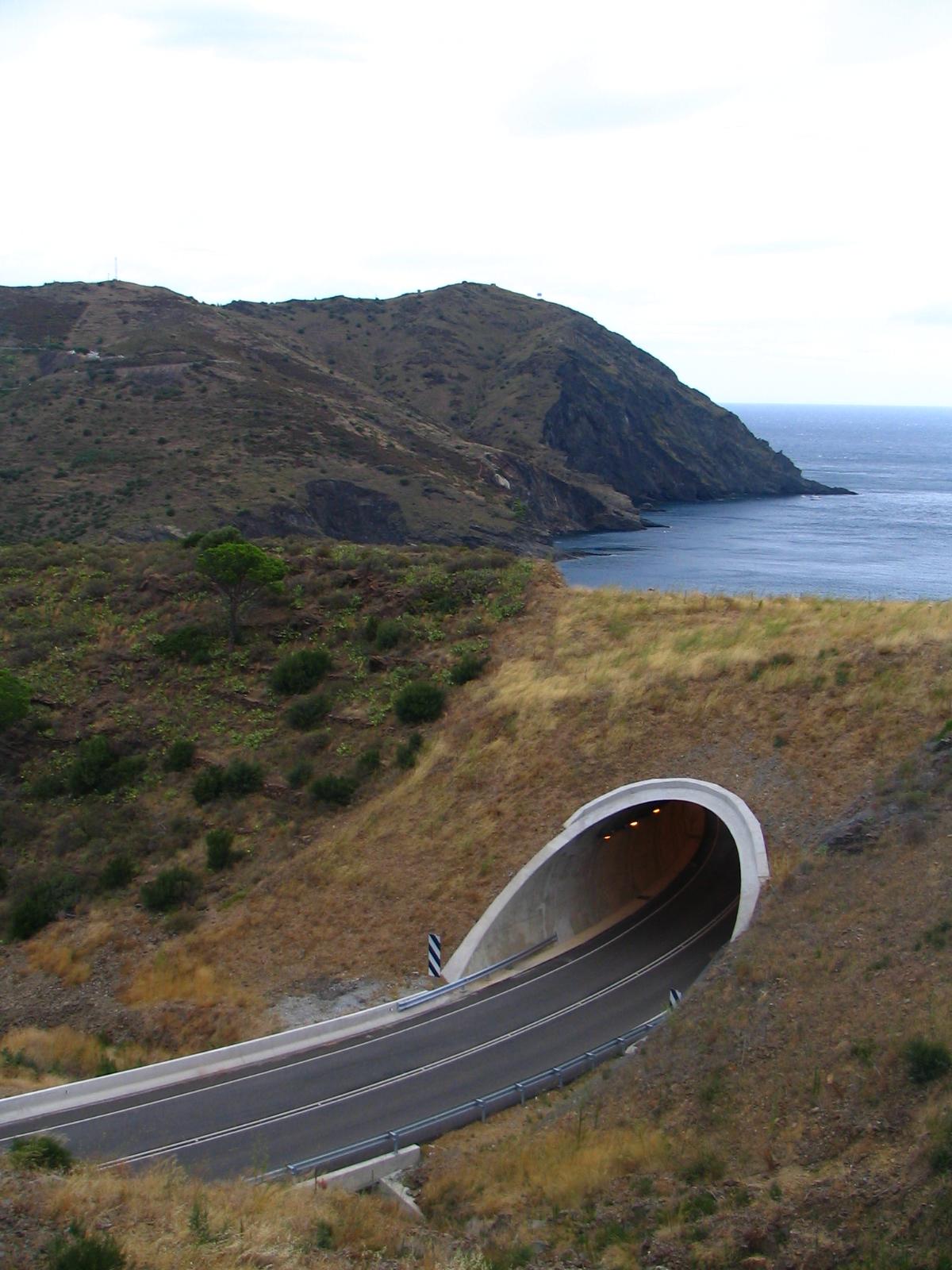 Foto playa Claper. Une route sans fin ?