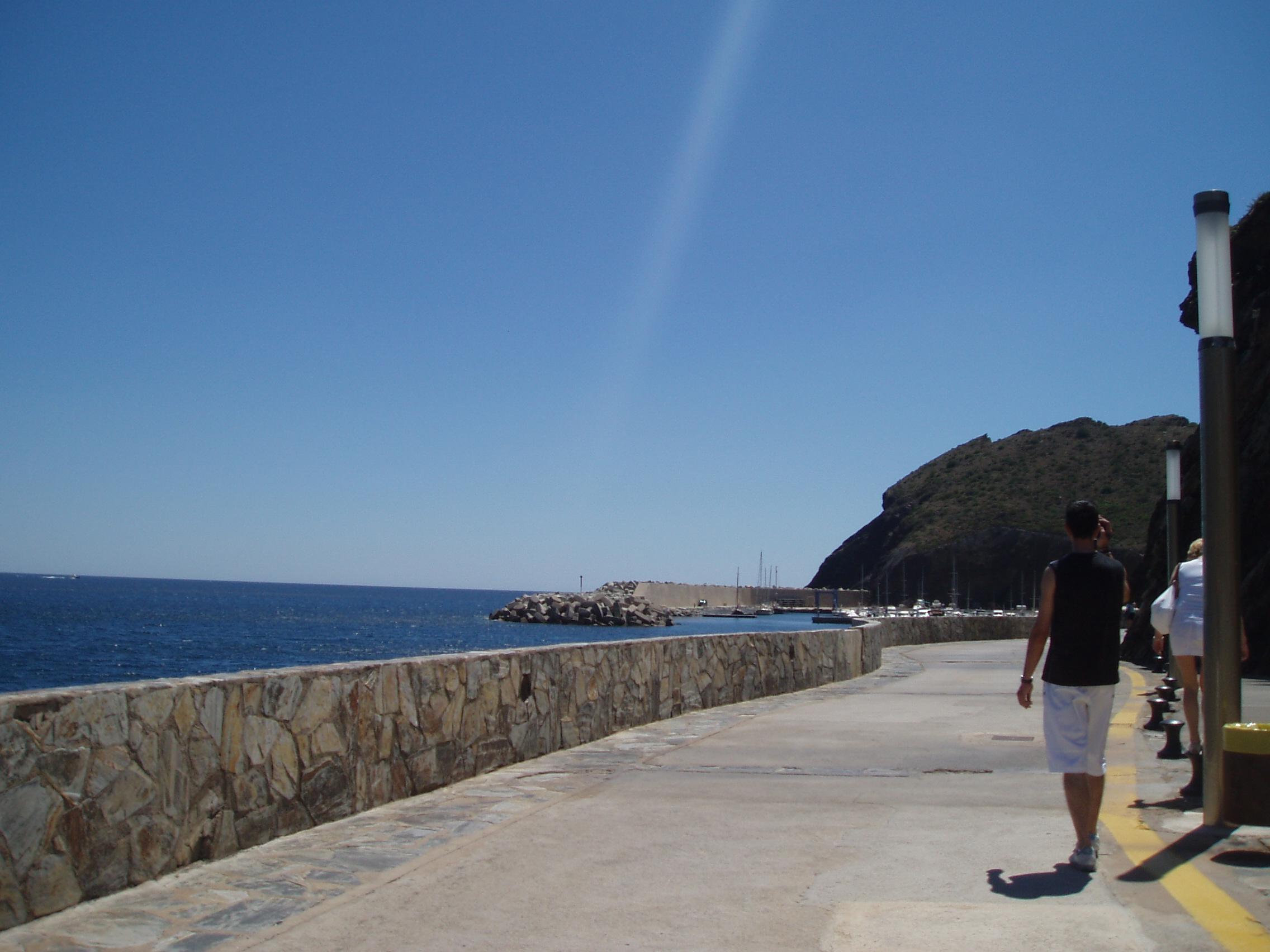 Foto playa Claper. Hacia el puerto de Port-Bou