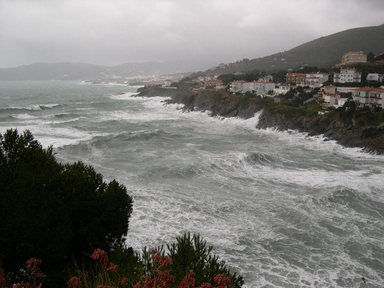Foto playa Cau del Llop. Temporal de llevant