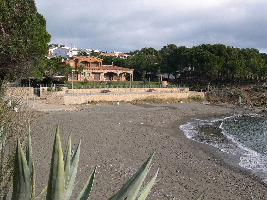 Foto playa Cau del Llop. Platja de la Farella