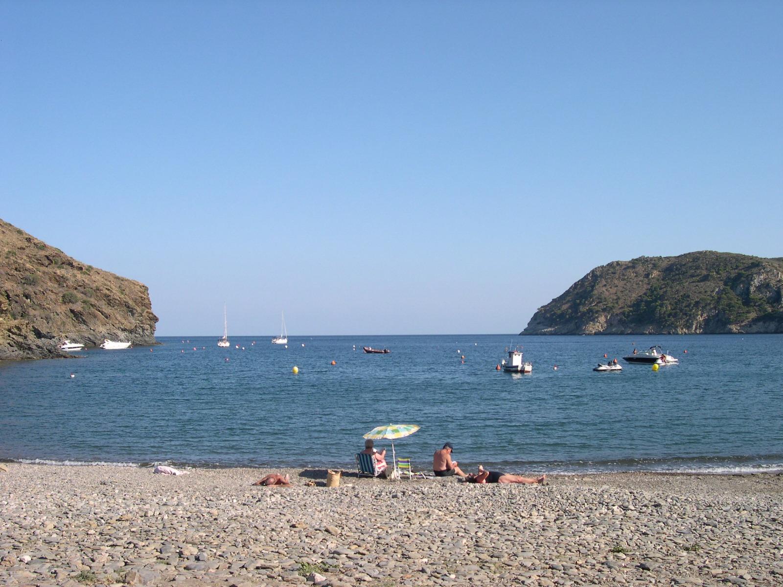 Foto playa Cala Joncols. Beach of Cala Joncols, Rosas, Spain