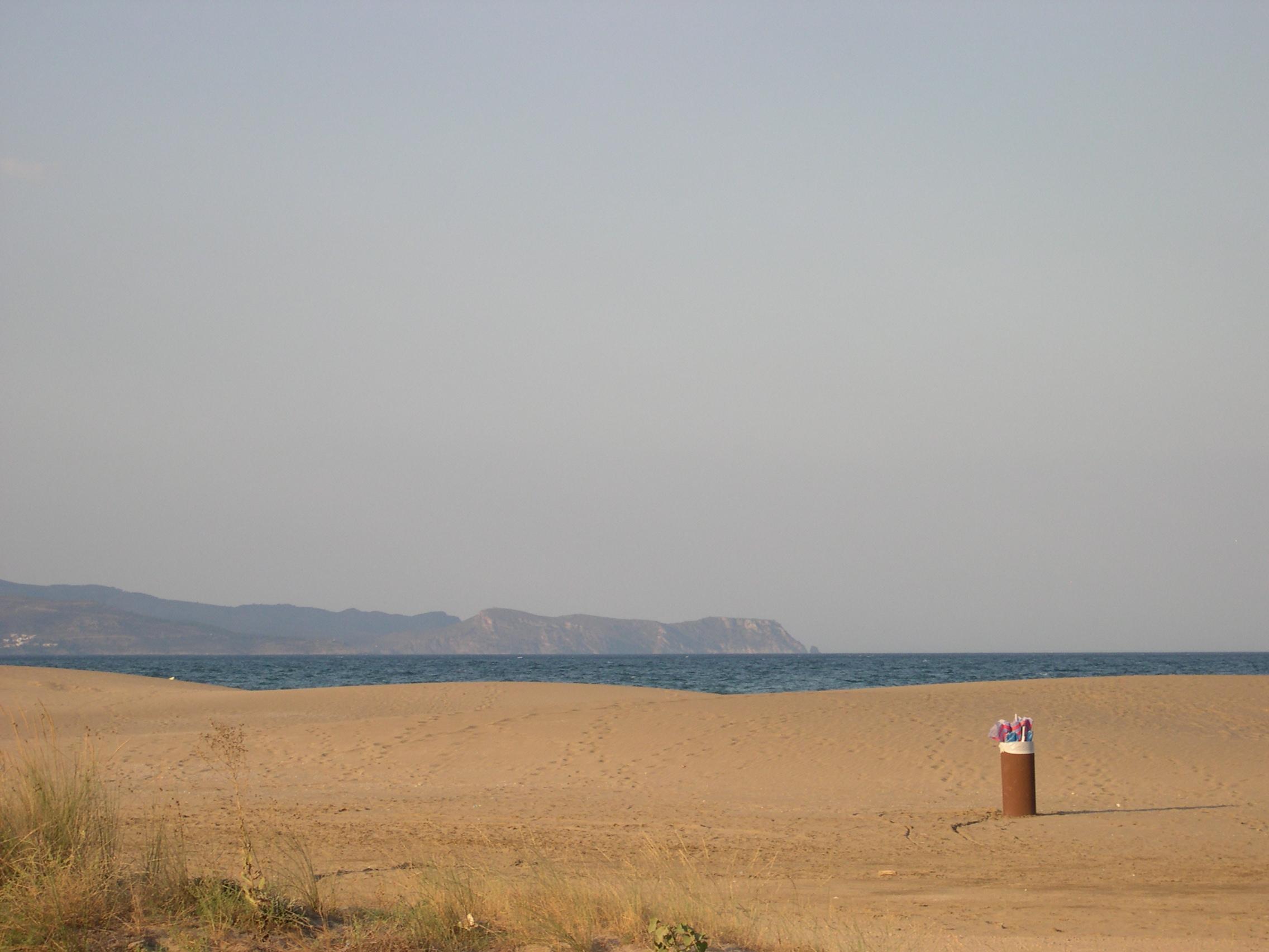 Foto playa Sant Pere Pescador. beach st. pere pescador camping l´amfora
