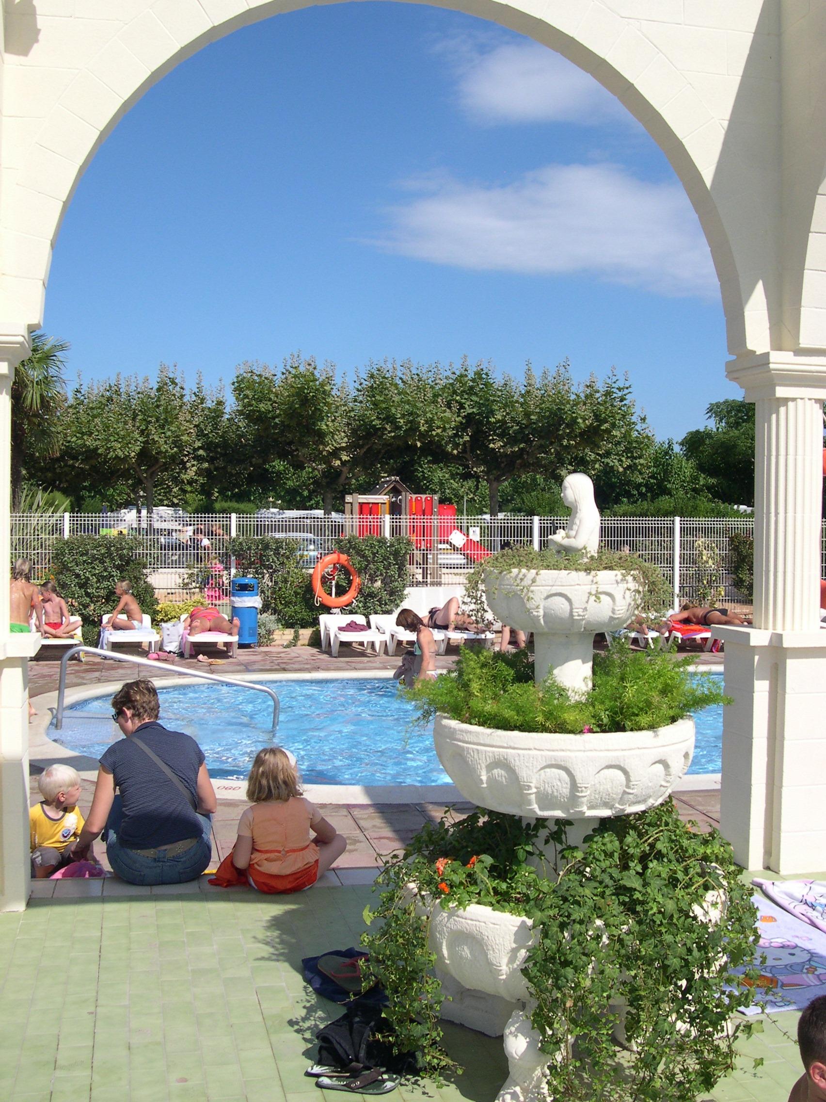 Foto playa Sant Pere Pescador. swimmingpool at campsite L´Amfora St. Pare Pescador