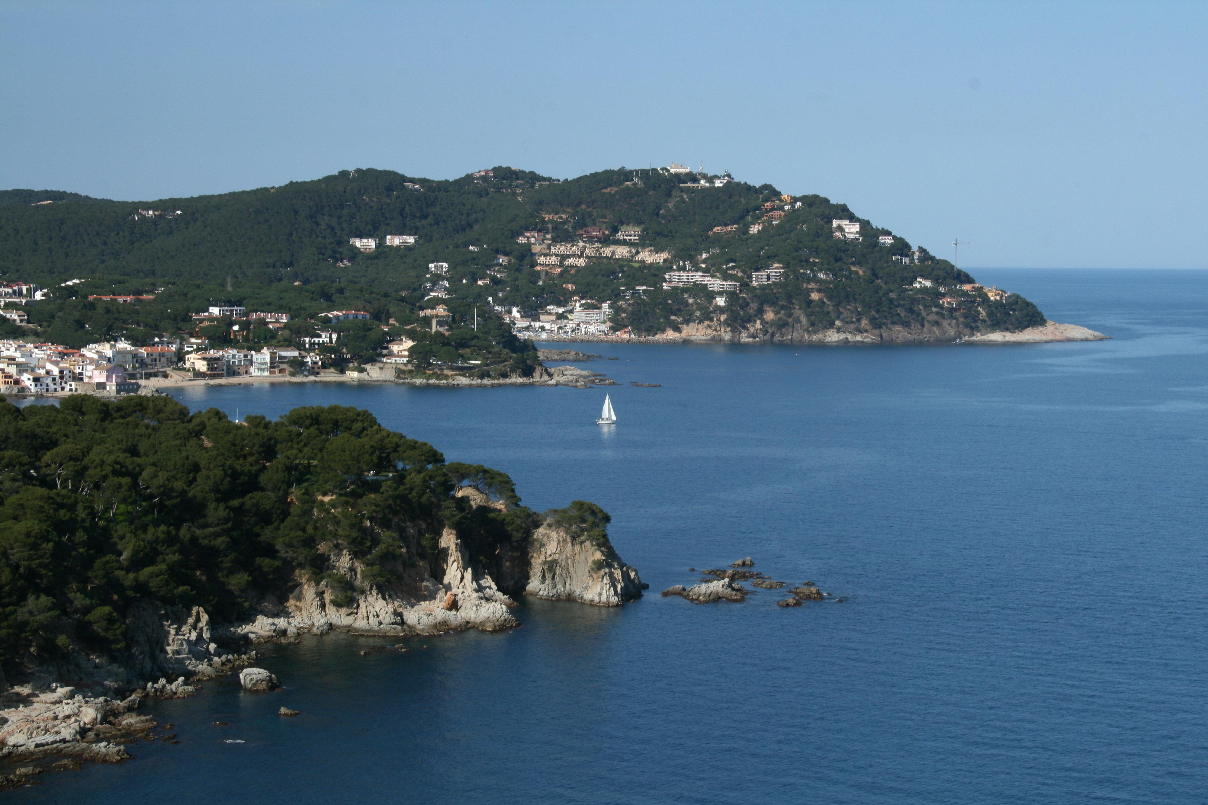 Foto playa Port Pelegrí. Calella de Palafrugel from Bontanic Gradens