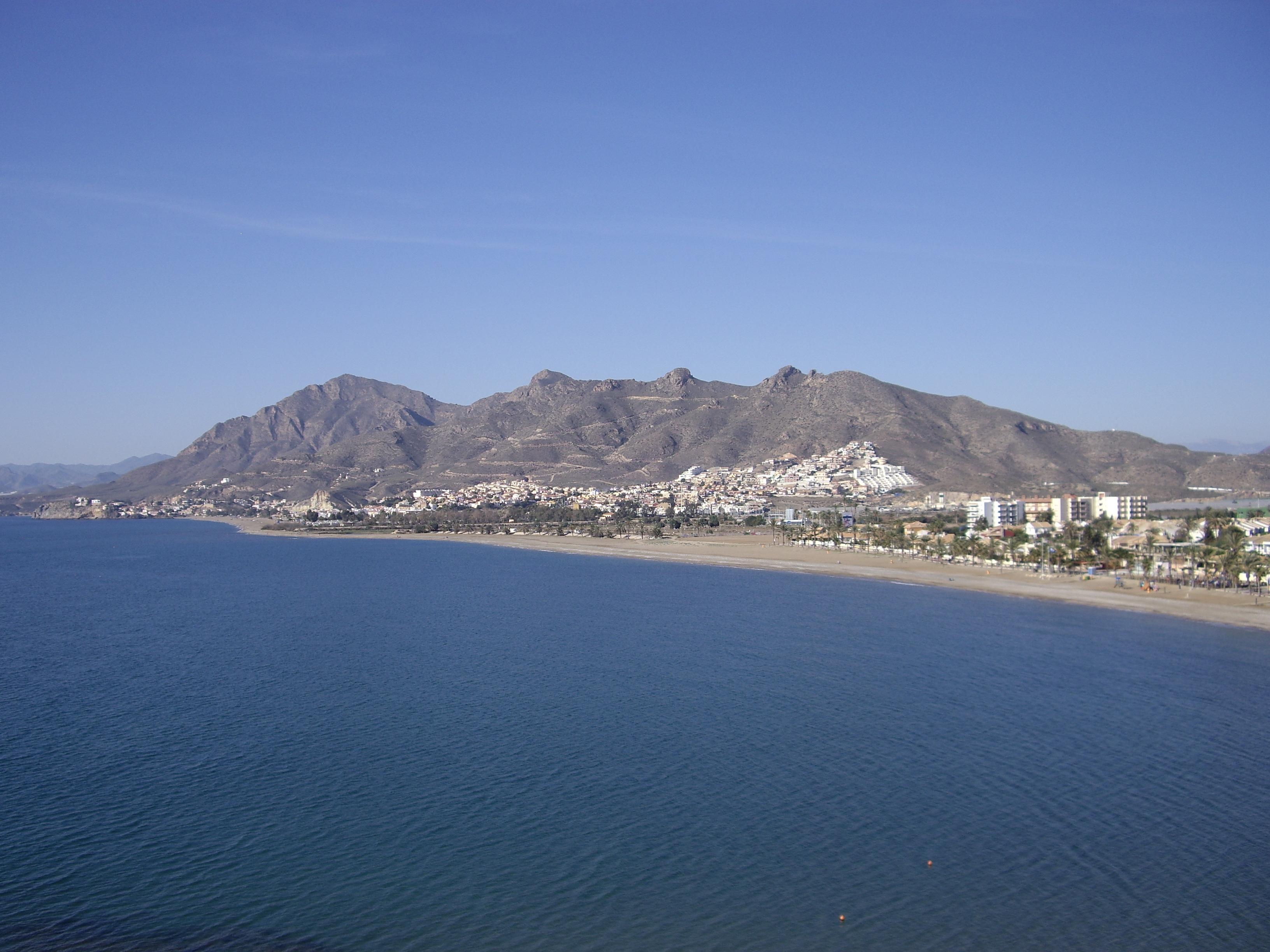 Foto playa El Castell. Sierra de las moreras SUR