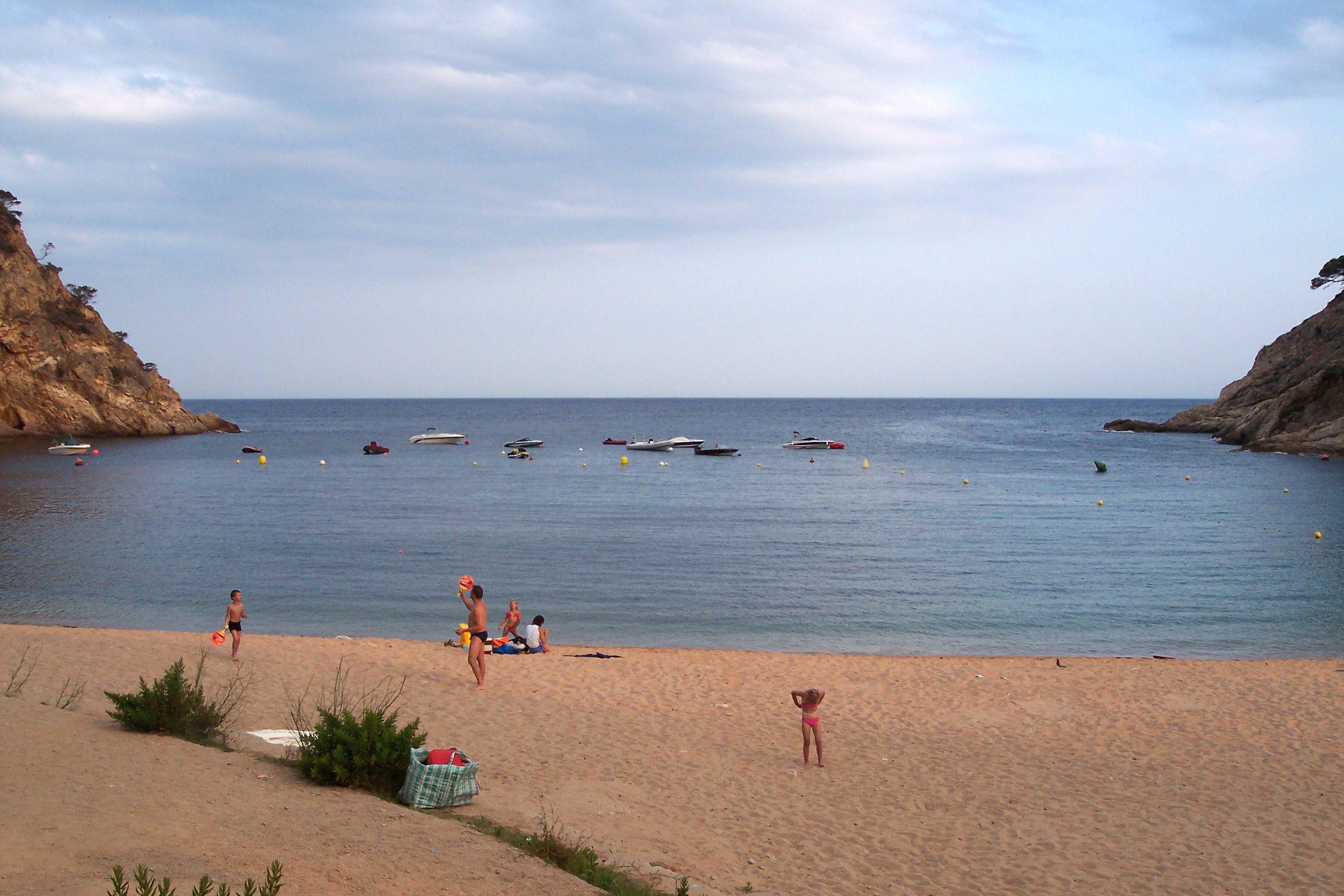 Foto playa Cala Bona. Giverola beach, by Julio M. Merino