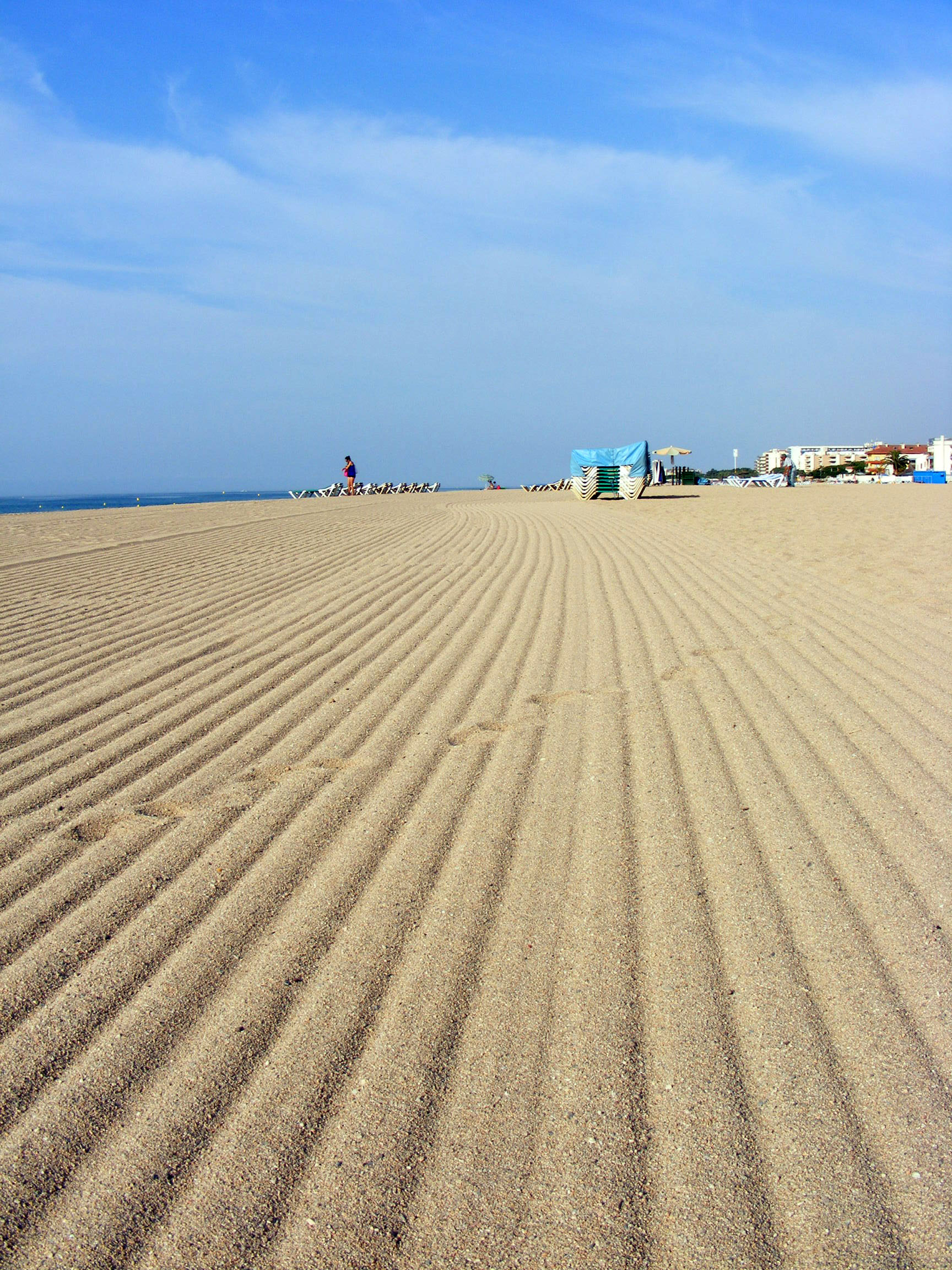 Foto playa Malgrat Centre. Trails on the morning beach