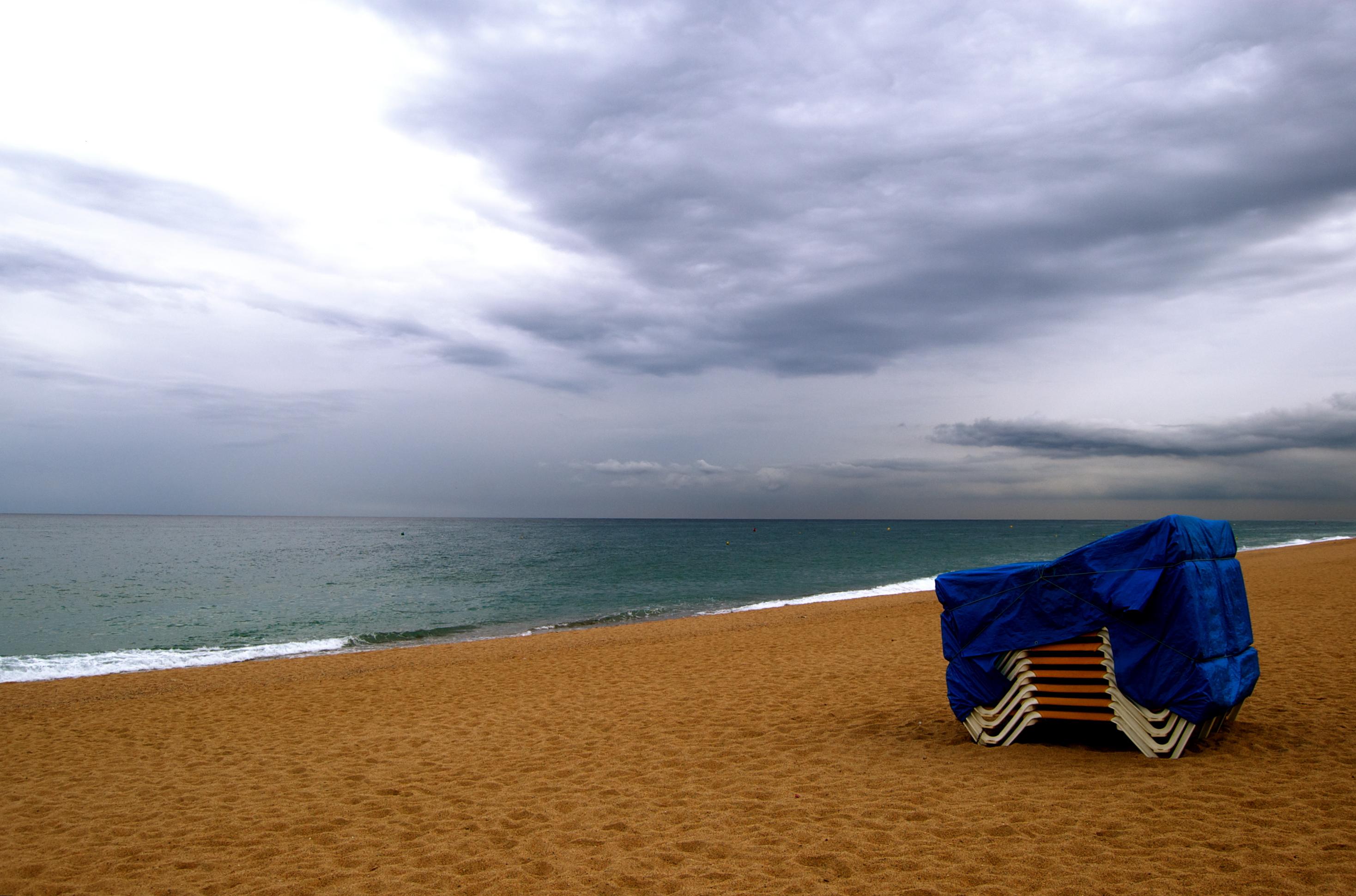 Foto playa Garbí. el otoño esta llegando