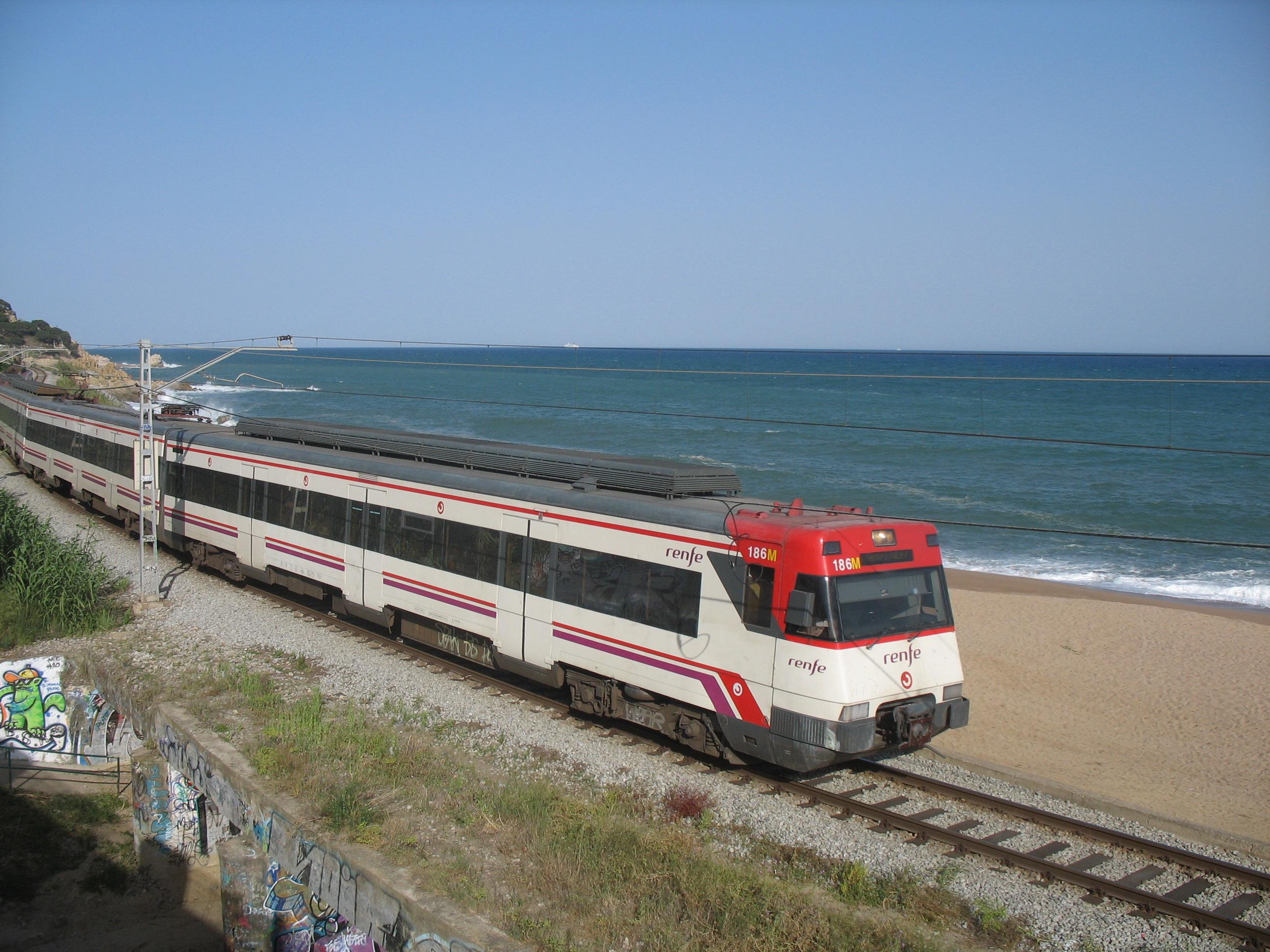 Foto playa La Murtra. Zug nach Barcelona