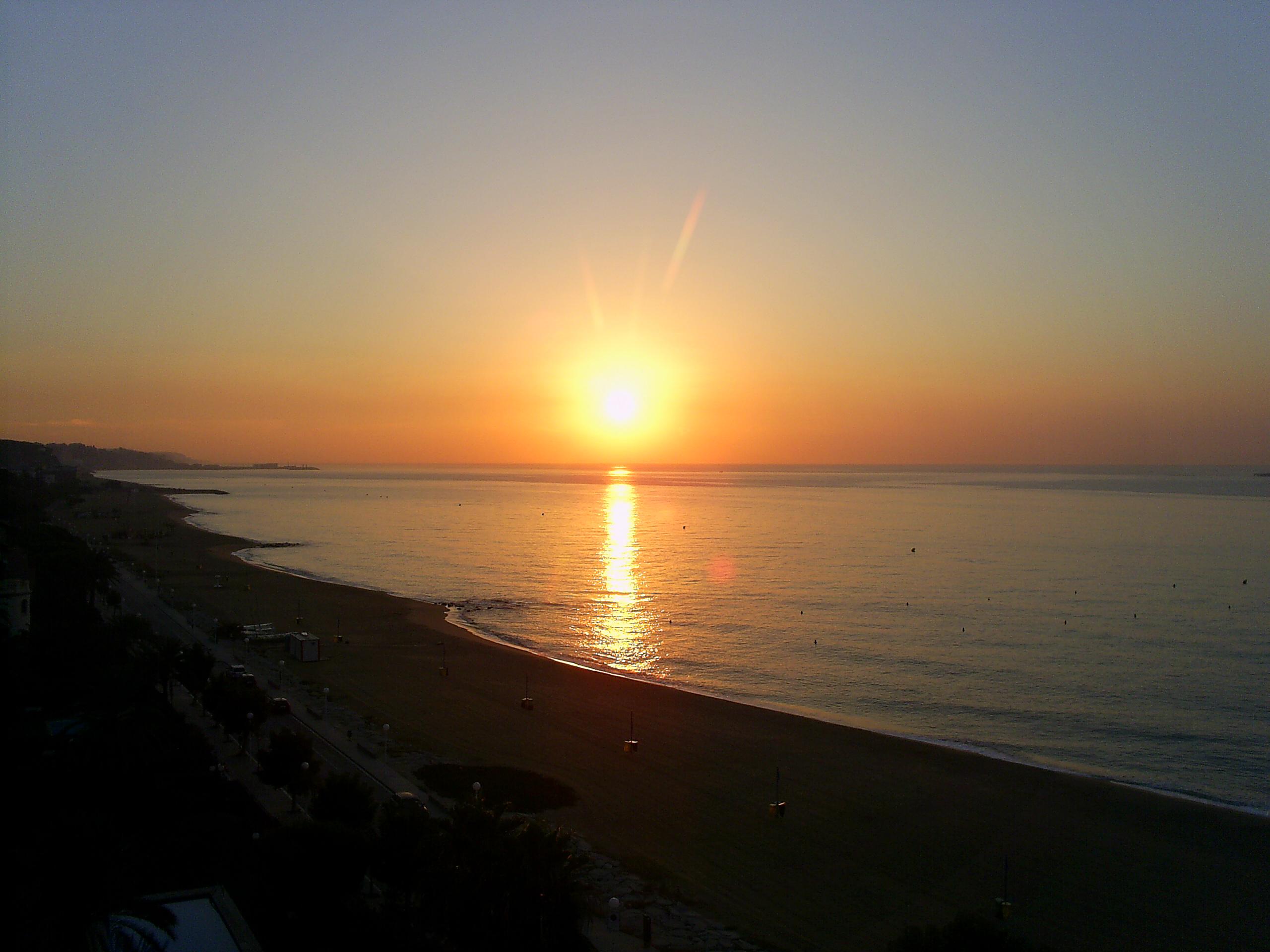 Foto playa El Balís. Amanecer en Sant Vicenç