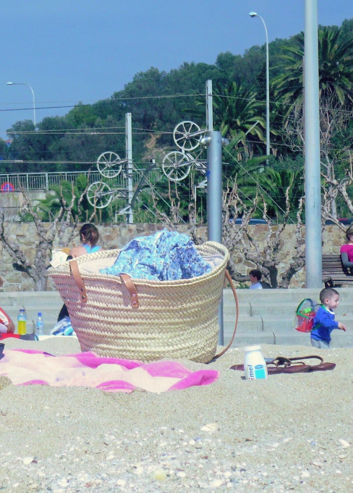 Foto playa Pla de Montgat. dia de playa