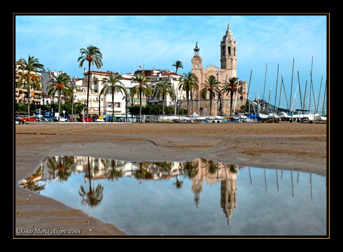 Foto playa Platja de la Desenrocada / Cala dels Gegants. Reflejos