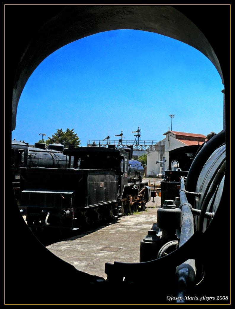 Foto playa El Far de Sant Cristófol. Locomotora a vapor