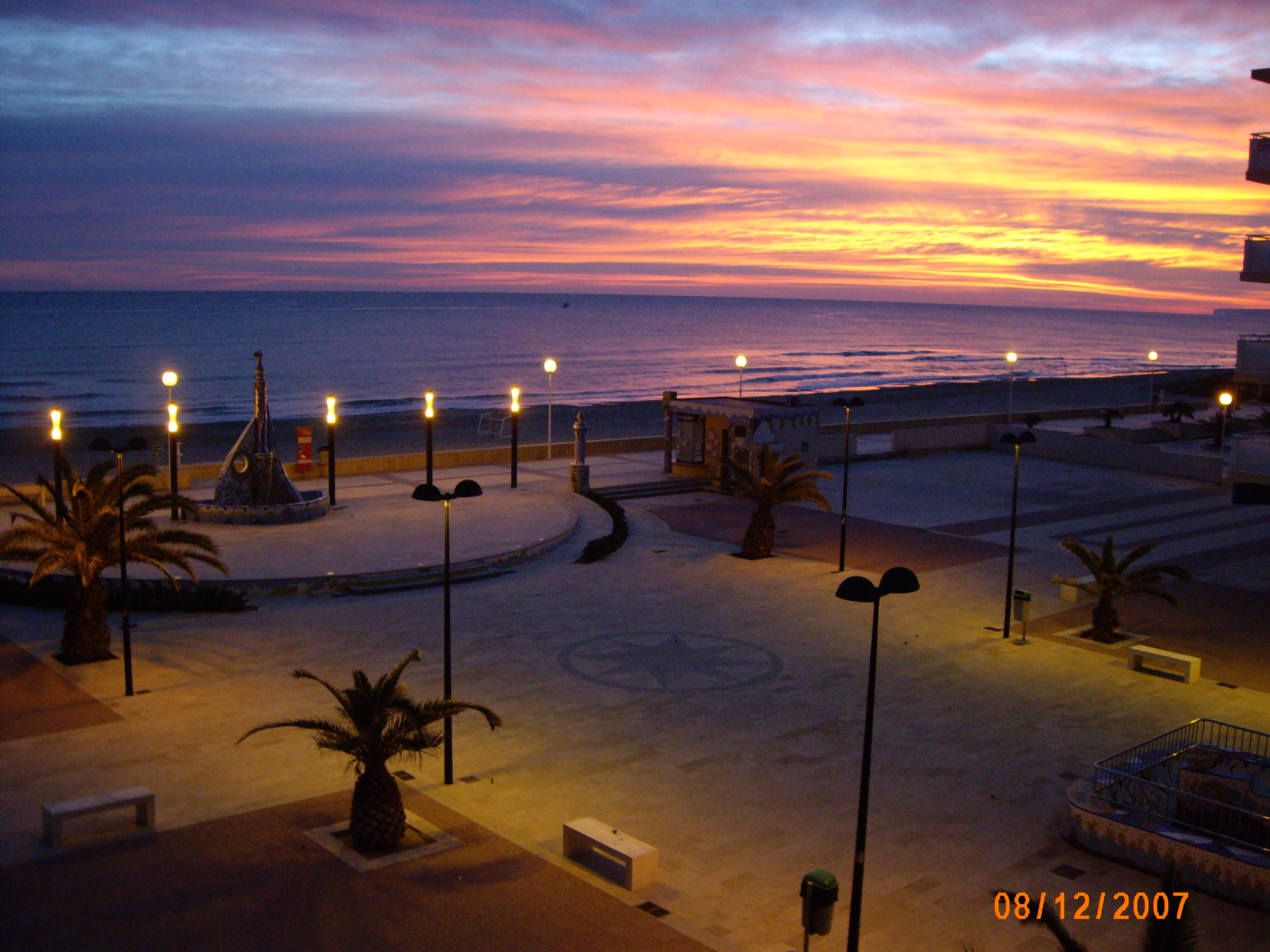 Foto playa Guardamar. Amanecer