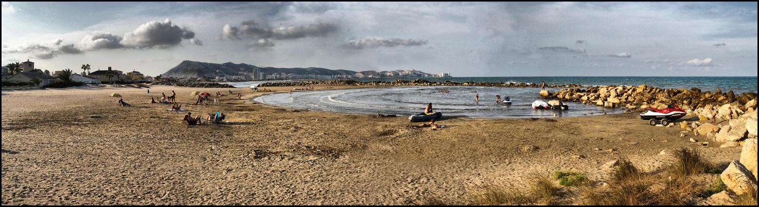 Foto playa El Marenyet. L´illa- Cullera al fondo