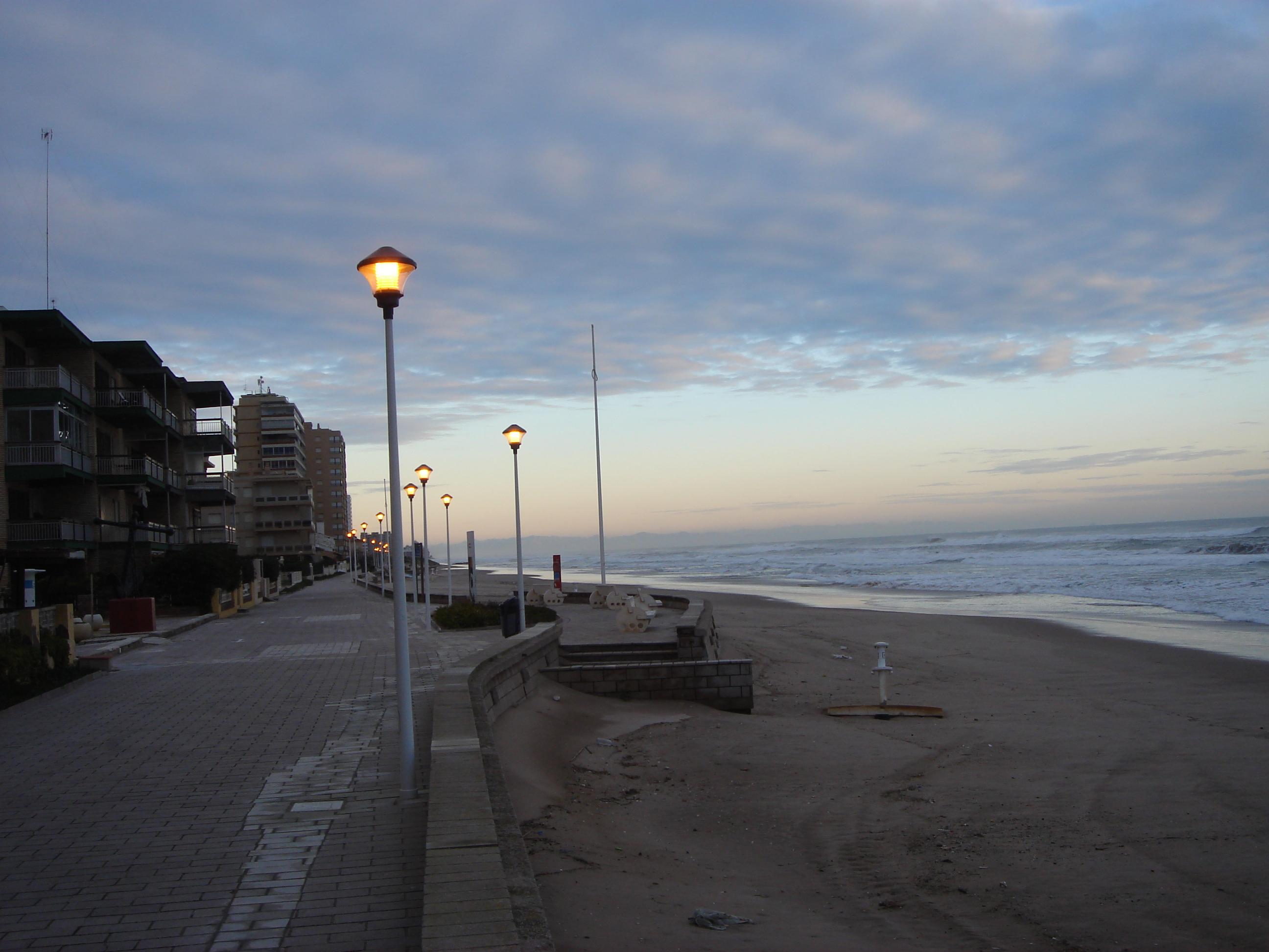Foto playa Mareny de Sant Llorenç. [ n_lorito ] Amaneciendo en Mareny Blau. Sueca