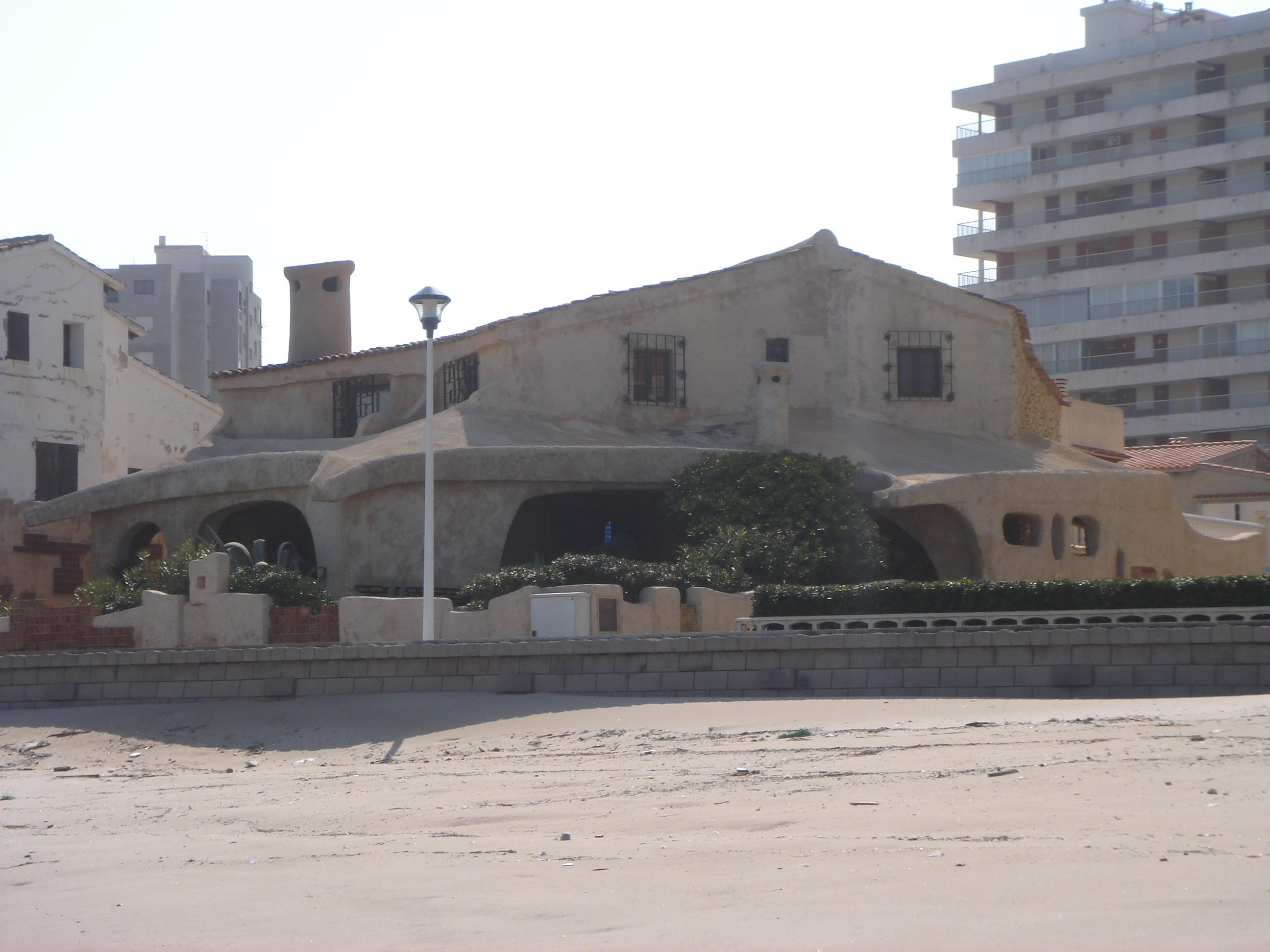 Foto playa Bega de Mar.  [ n_ lorito ] Una casa encantadora. Mareny Blau. Sueca