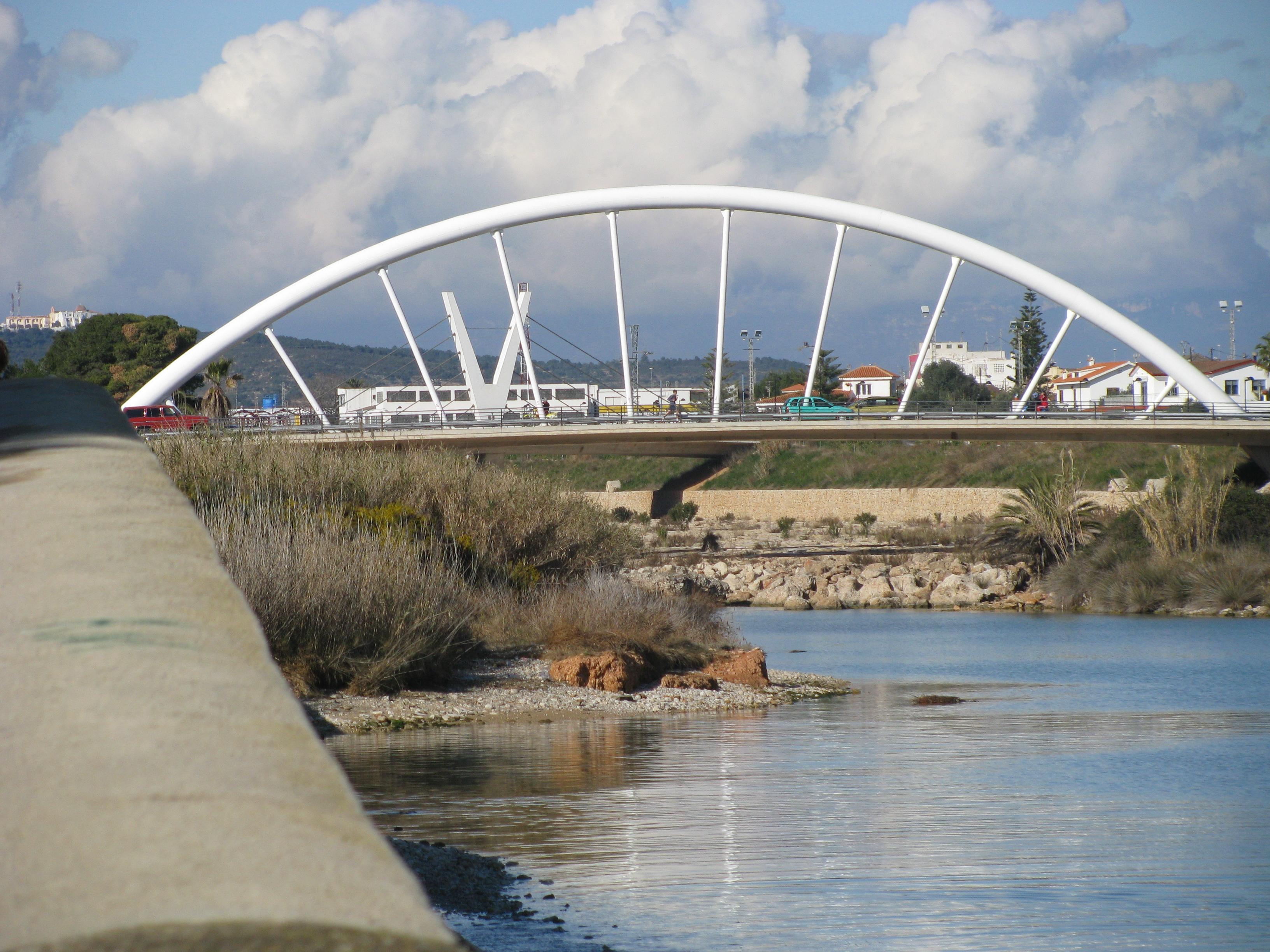 Foto playa Fortí. El puente sobre el Rio Sénia