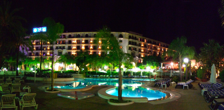 Foto playa Nueva Andalucía / Playa del Duque. Marbella - Puerto Banús - Hotel H10 Plaza de Andalucia