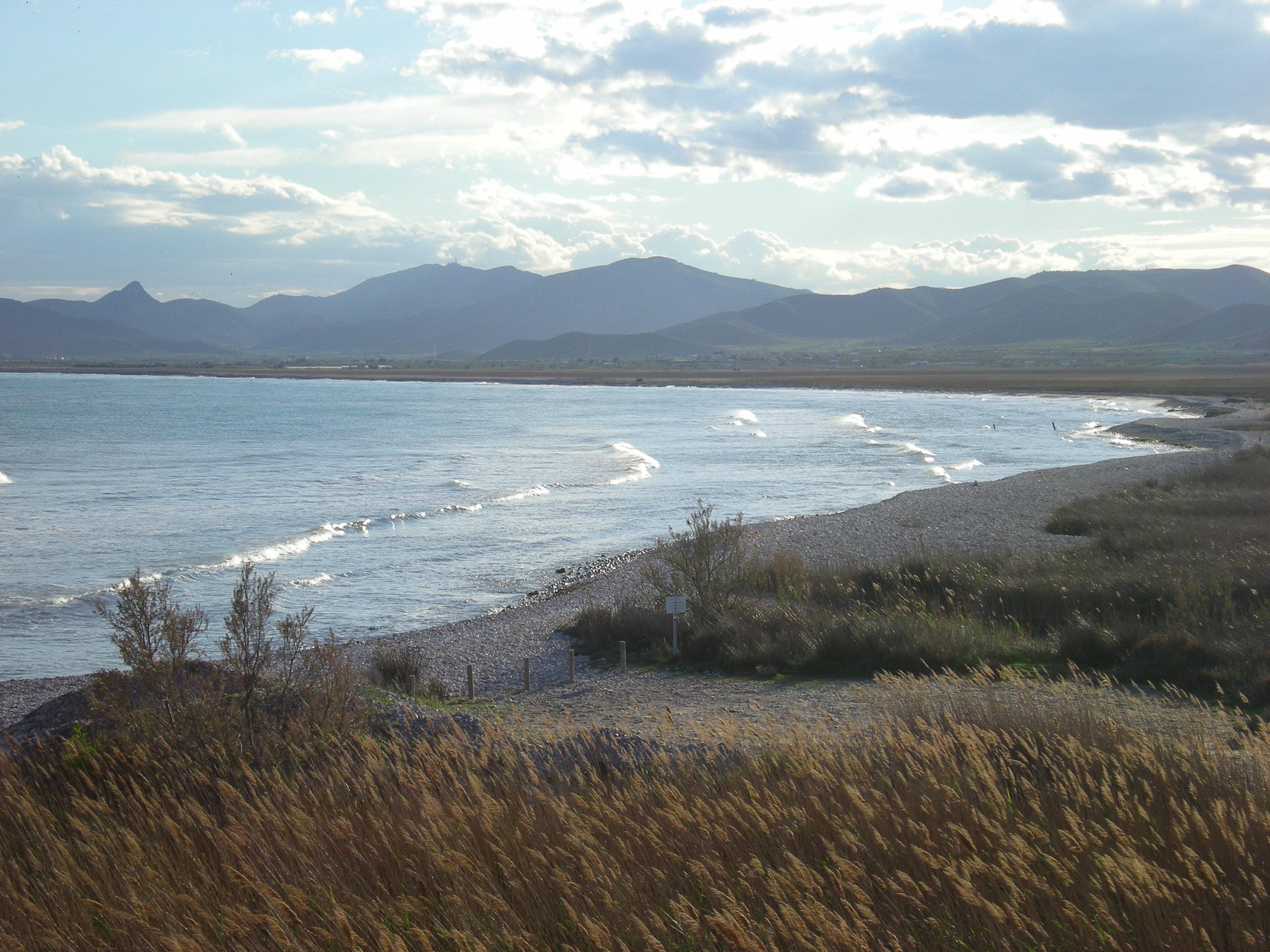 Foto playa Cuartel Vell / Quartell Vell. Mirada hacia Oropesa desde Prat de Cabanes