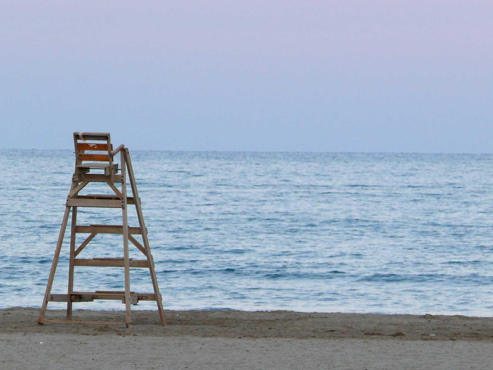 Foto playa El Serradal. Puesto de vigilancia en Benicàssim