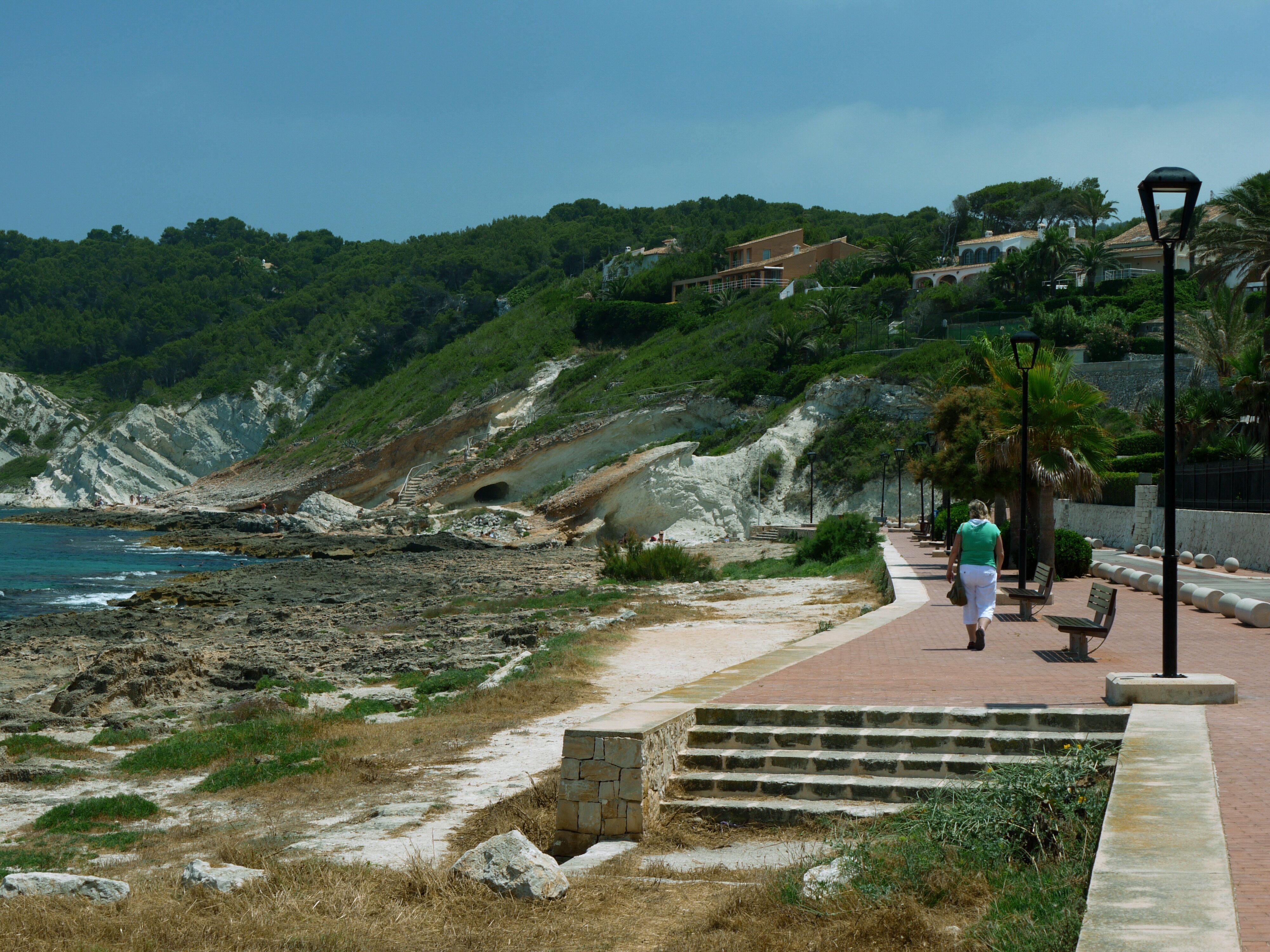 Foto playa Primera y Segunda Caletas. Cala Blanca Promenade