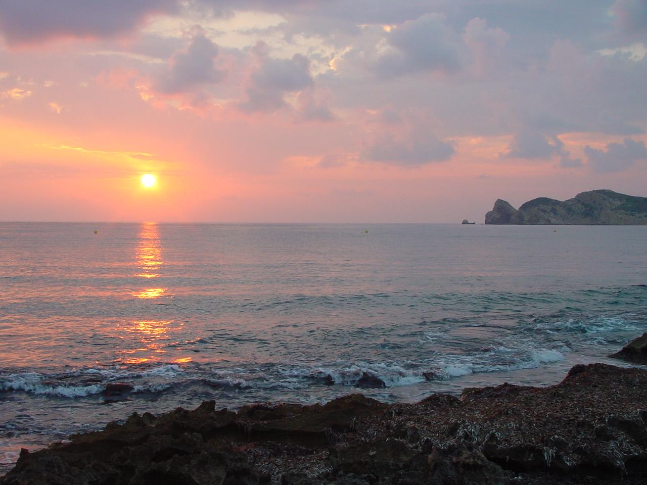 Foto playa Primera y Segunda Caletas. Amanecer Javea