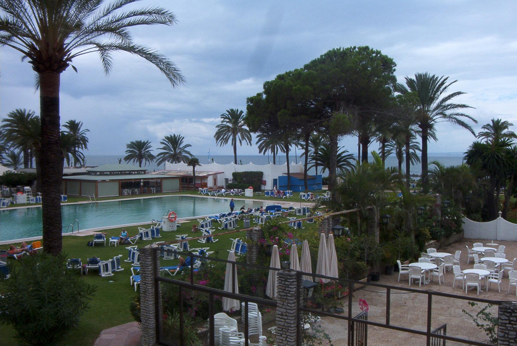 Foto playa Casasola / Isdabe-Atalaya / Matas Verdes. Hotel Atalaya Park,  Estepona