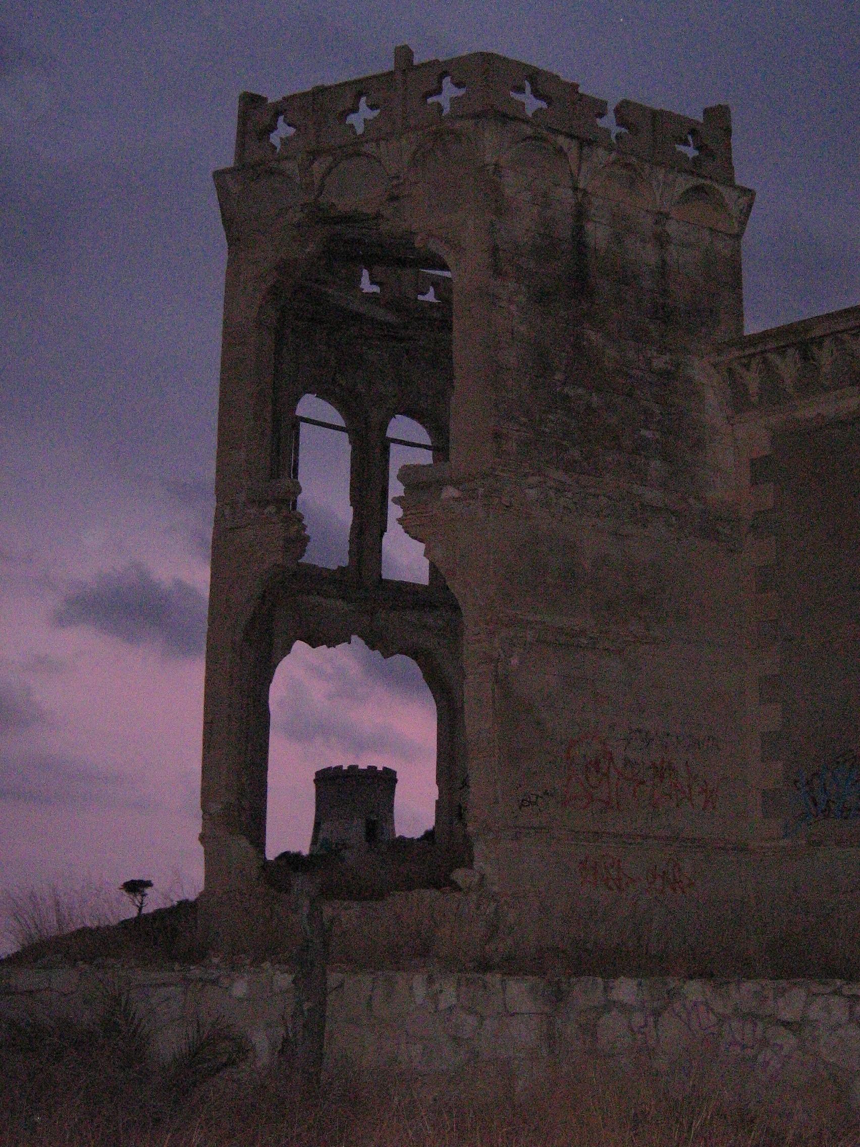 Foto playa Cala Mallaeta. Ruinas en la Mallaeta