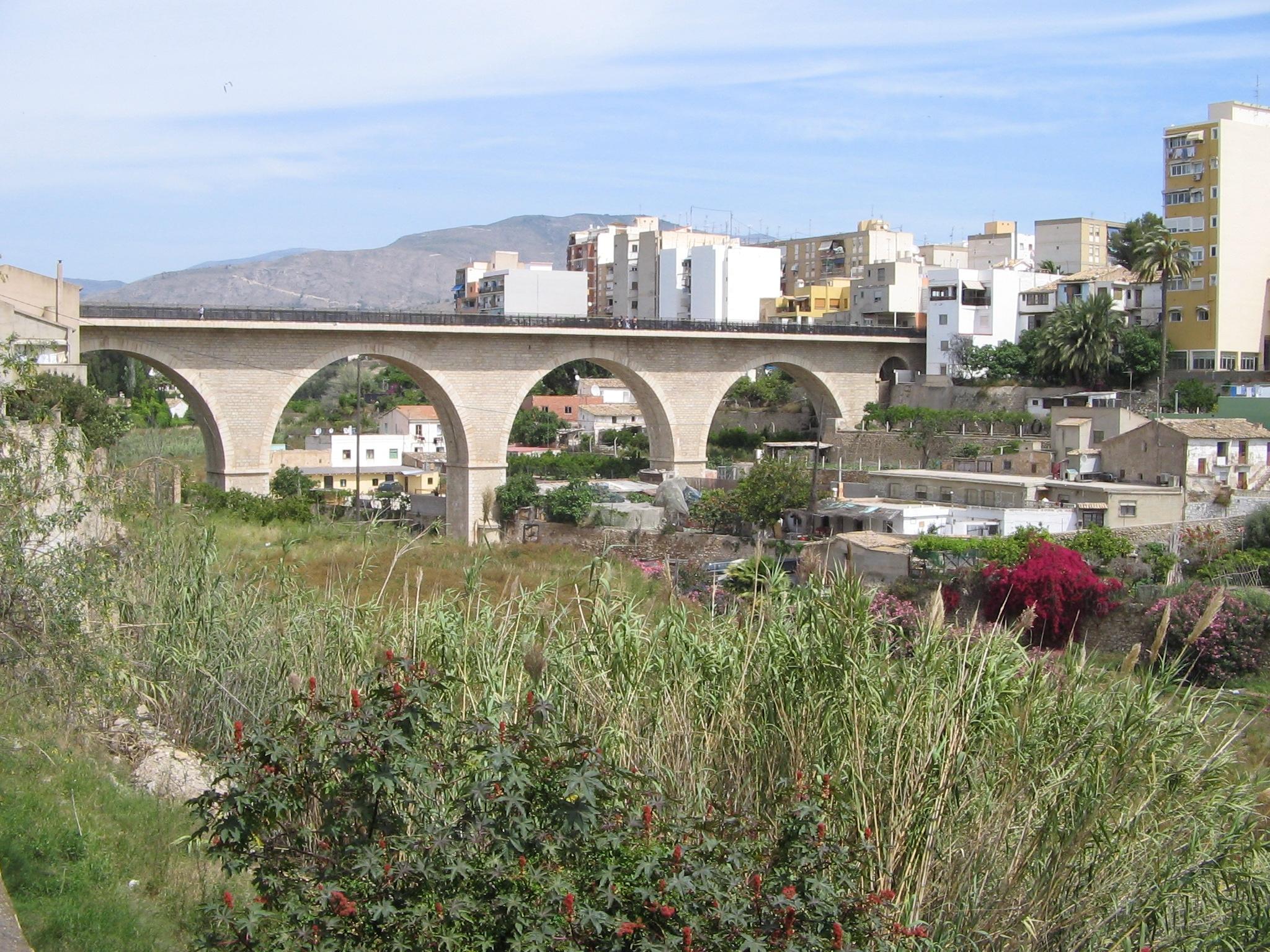 Foto playa Cala Mallaeta. bridge over the baranca