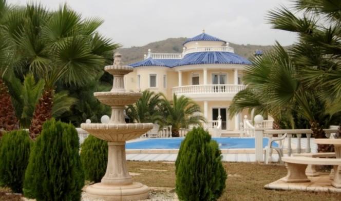 Foto playa La Almadraba. www.sigmaltea.com-Estates for sale
