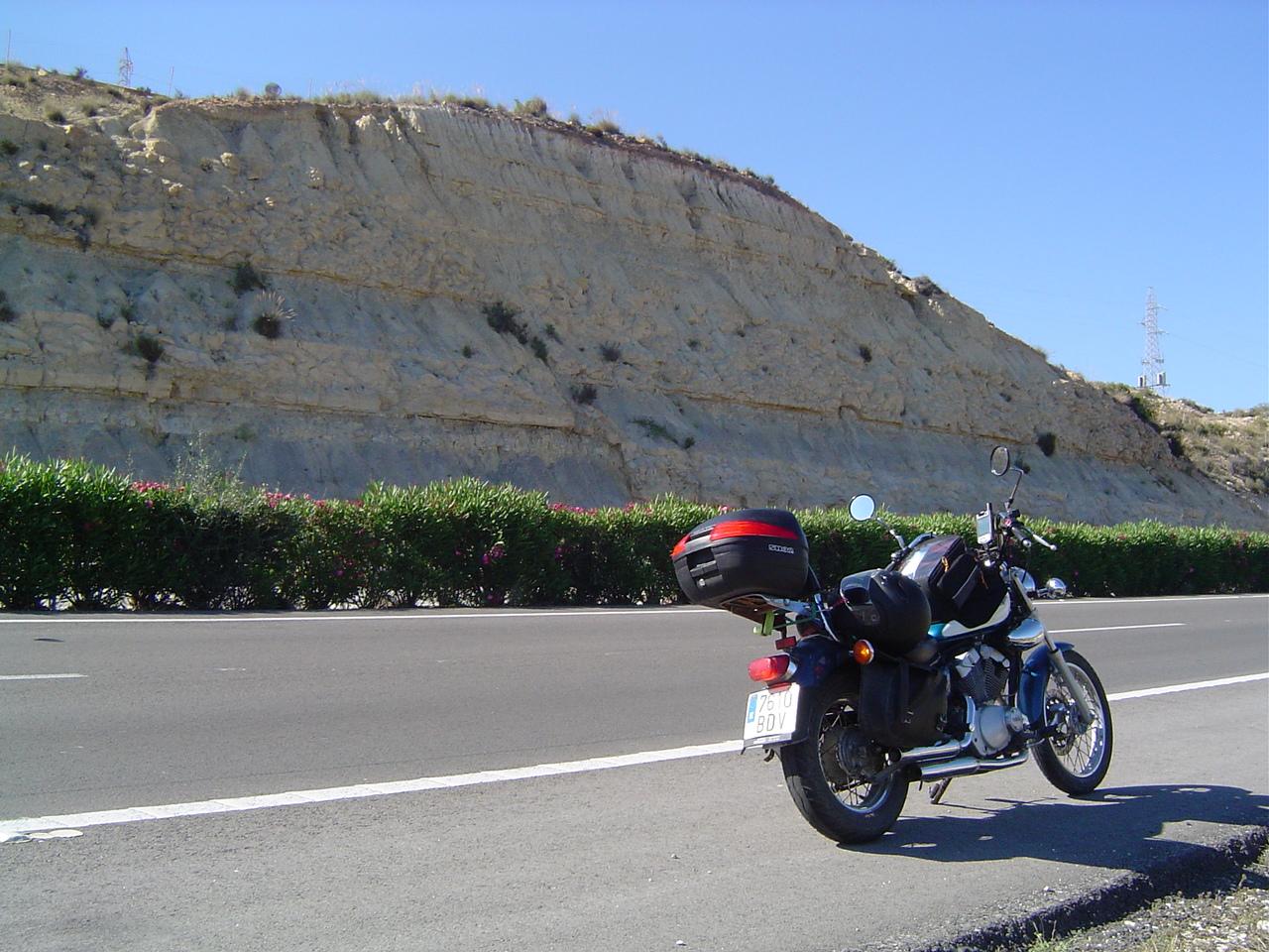 Foto playa Cala Lanuza. Falla cerca de Benidorm, en la Autopista del Mediterráneo