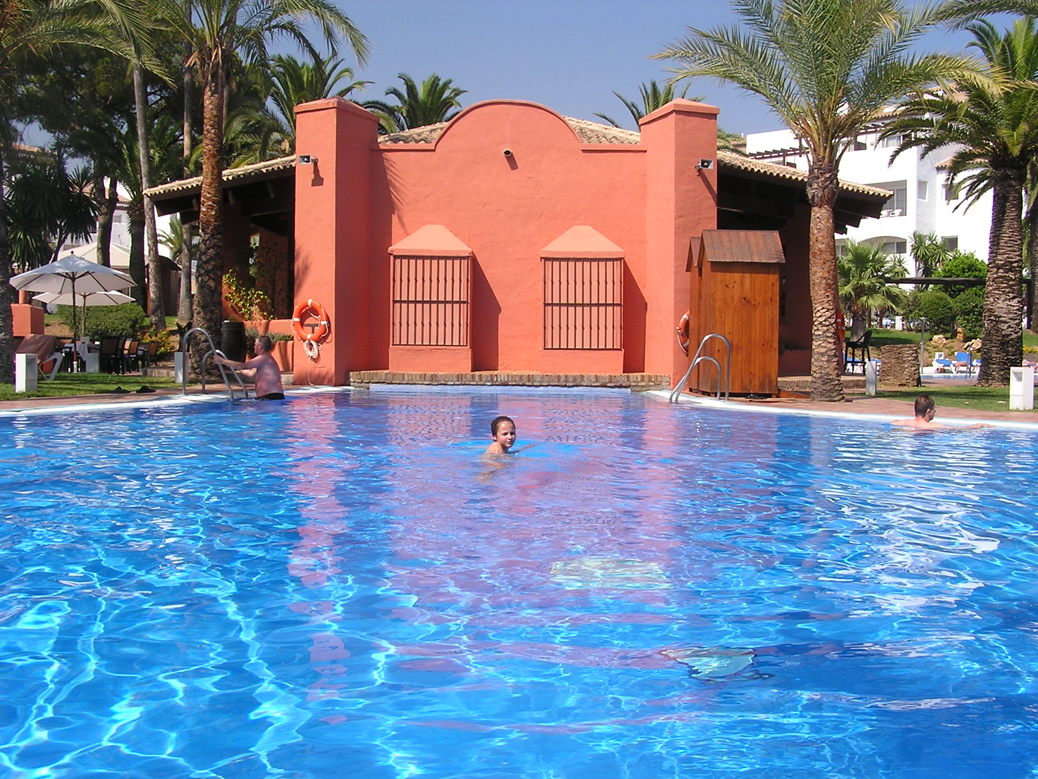 Foto playa Guadalmansa / El Pirata. Pool + Bar - Hotel Andalucia Princess
