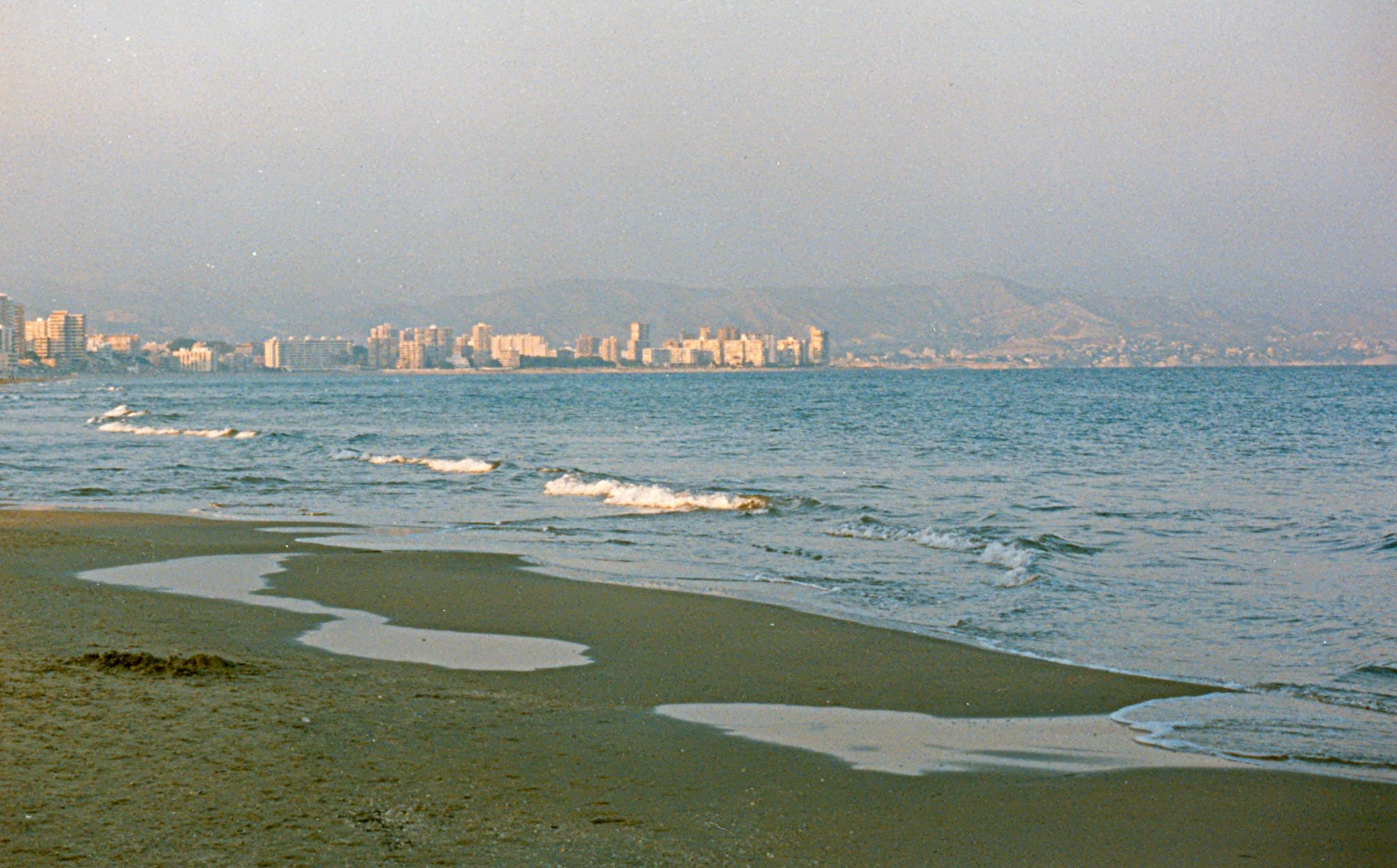 Foto playa San Juan / Sant Joan. San Juan en invierno