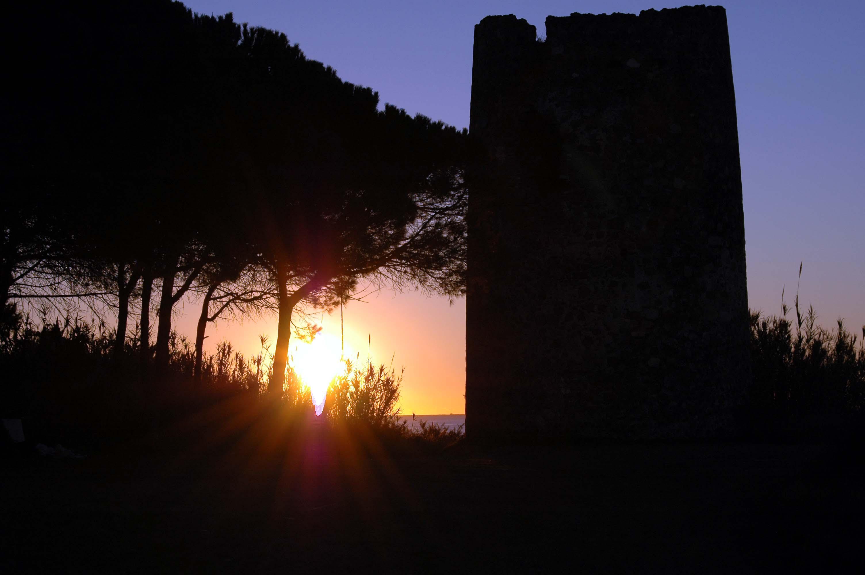 Foto playa Arroyo de los Cañas. amanecer torre velerin
