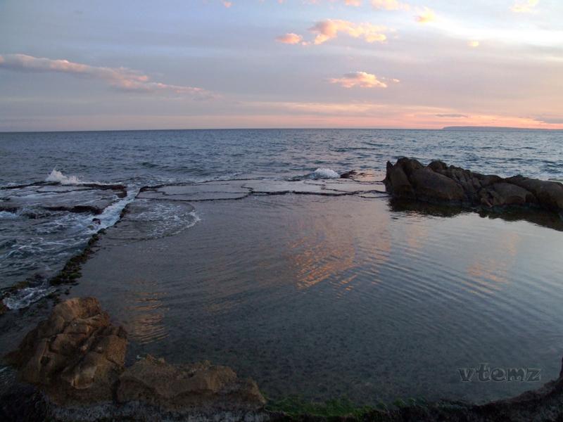 Foto playa La Almadraba. Atardecer en el Cabo (by vtemz)