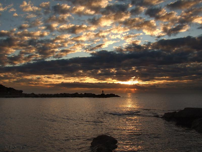 Foto playa La Almadraba. El alba en el Cabo la Huerta (by vtemz)
