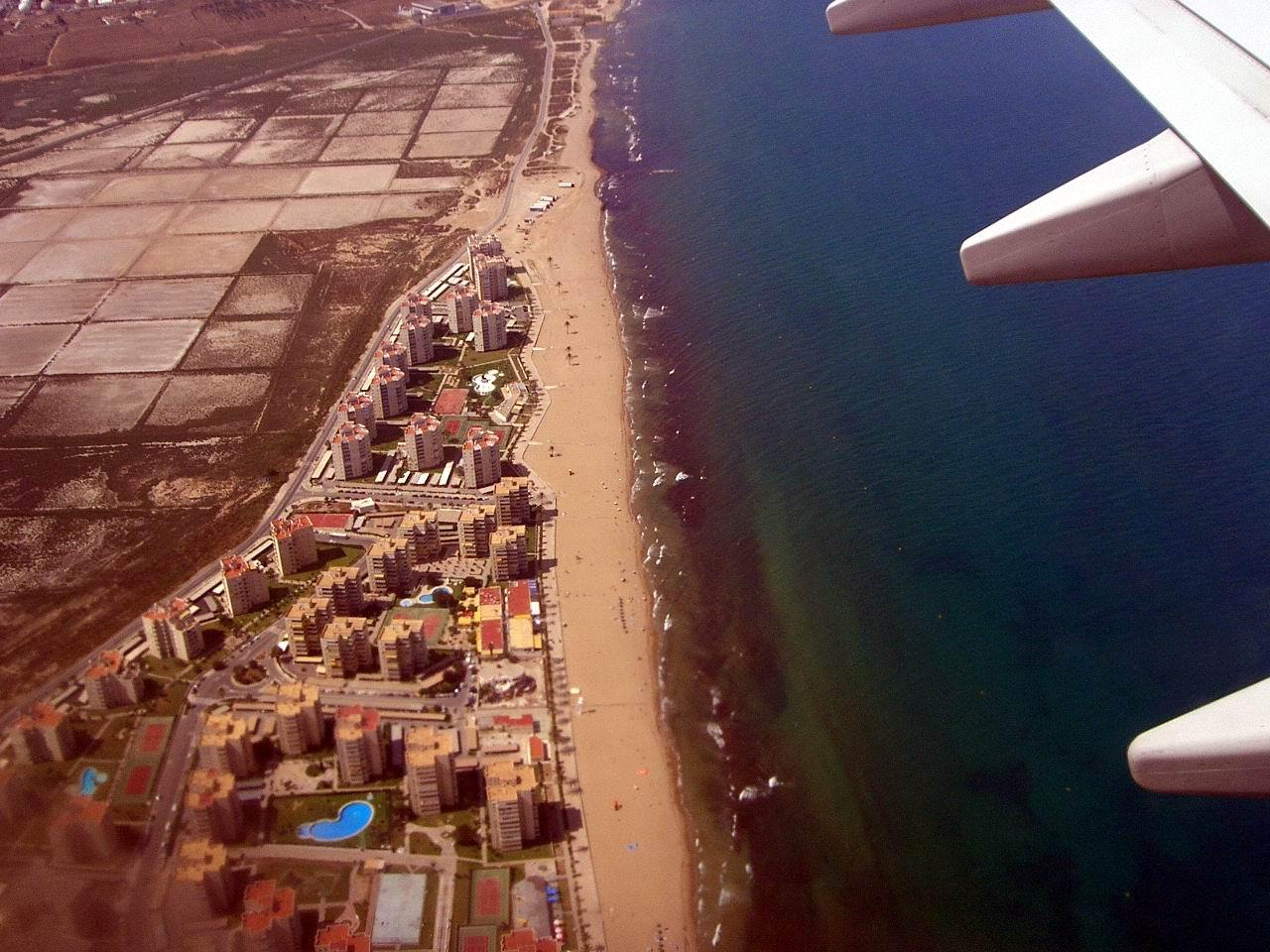 Foto playa Los Saladares / Urbanova. Urbanova