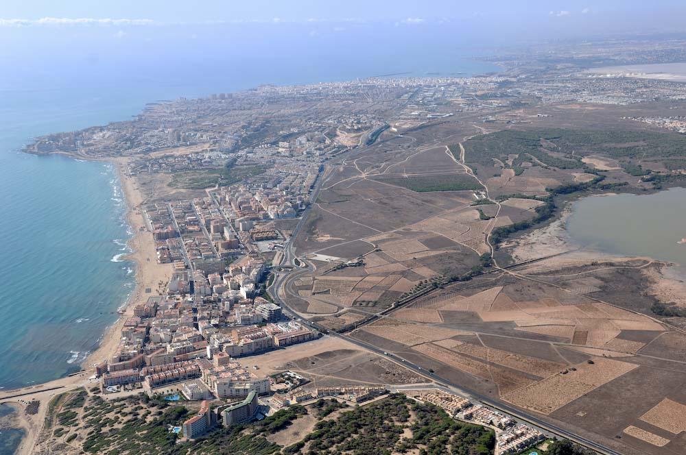 Foto playa Torrelamata. Foto Aerea Torrevieja & La Mata © (www.fotoseb.es)