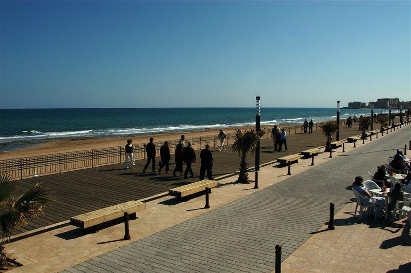 Foto playa Cala de Cabo Cervera. Paseo Playa La Mata © (Foto_Seb)