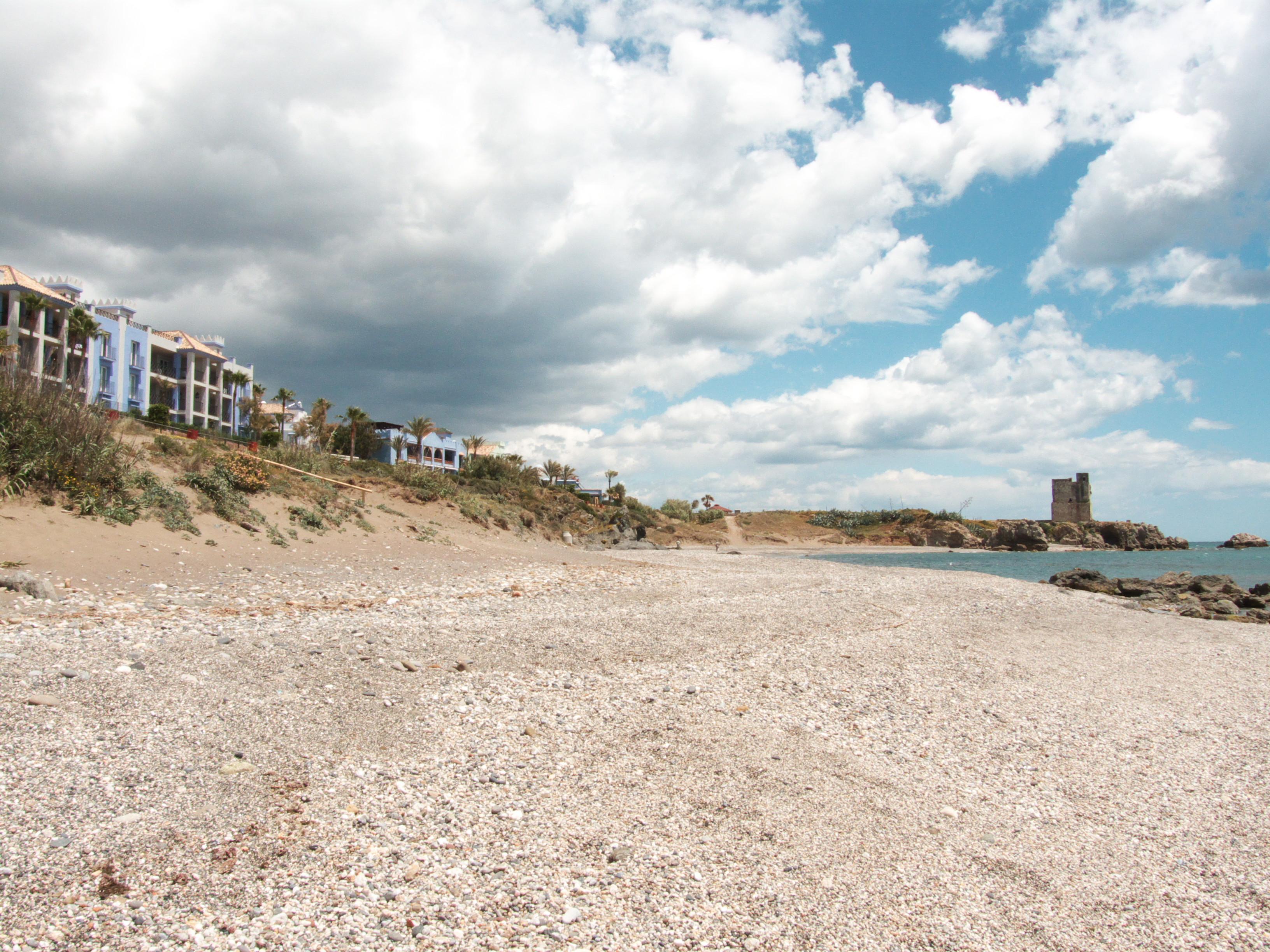 Foto playa Playa Ancha / Playa Chica. Marina de Casares - San Luis de Sabinillas