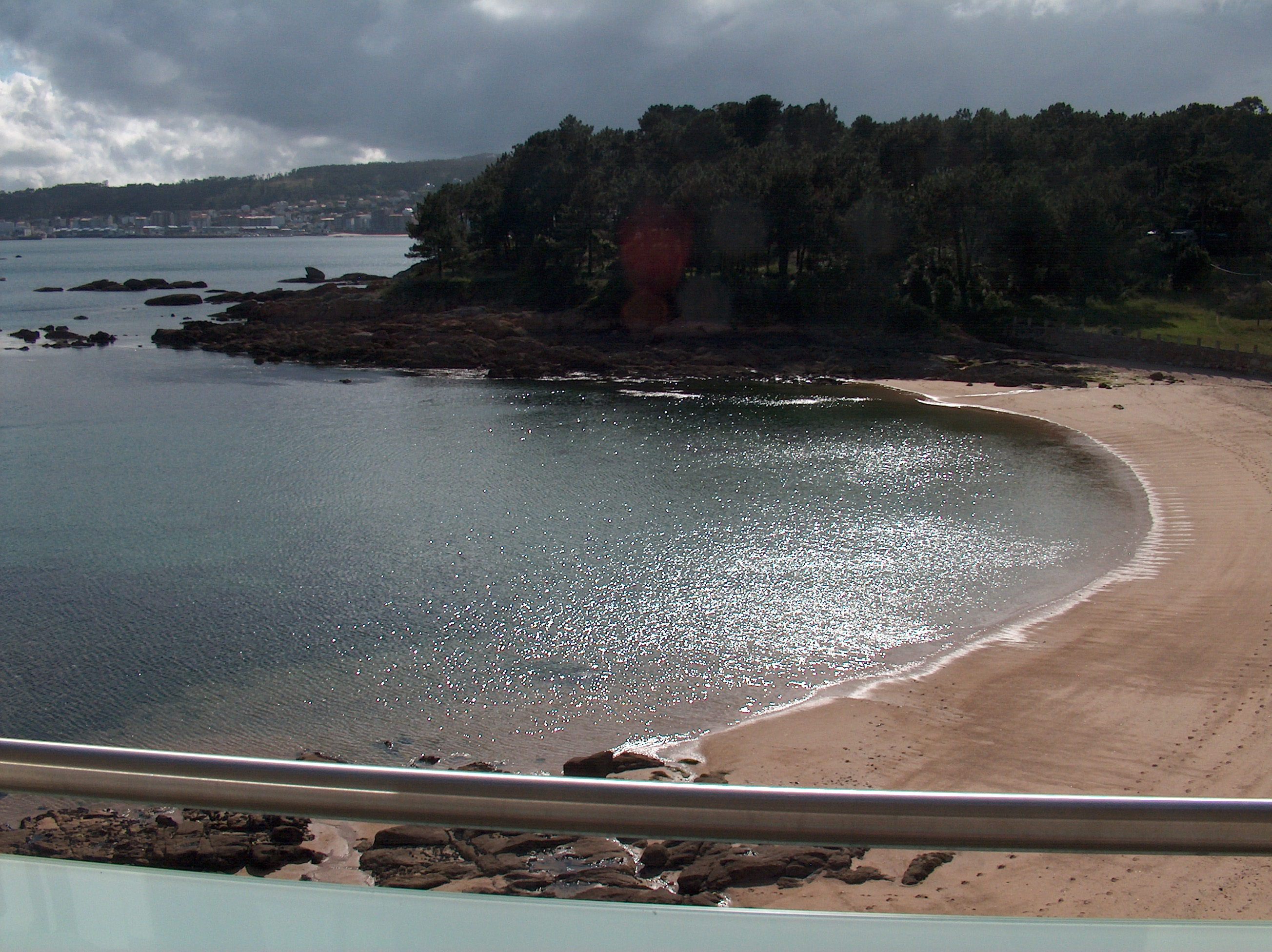 Foto playa Insuela. View West from the Oca Rio Azor Hotel   June 07