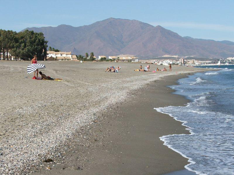 Foto playa Los Toros. negro N