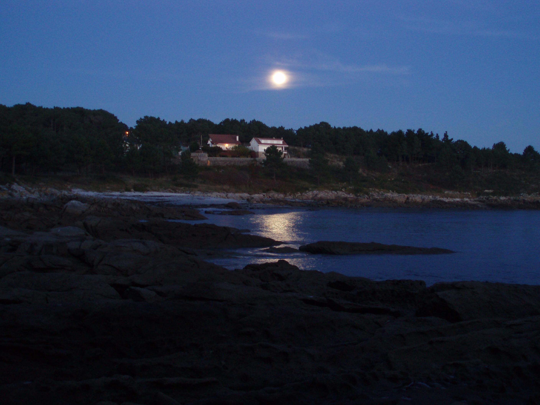 Foto playa Porto Cabanas. Moonlight Fontela