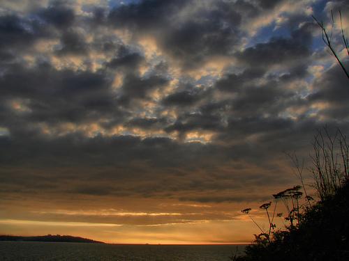 Foto playa Coido. Cielo y Mar--http://www.flickr.com/photos/yakare_/3663137976