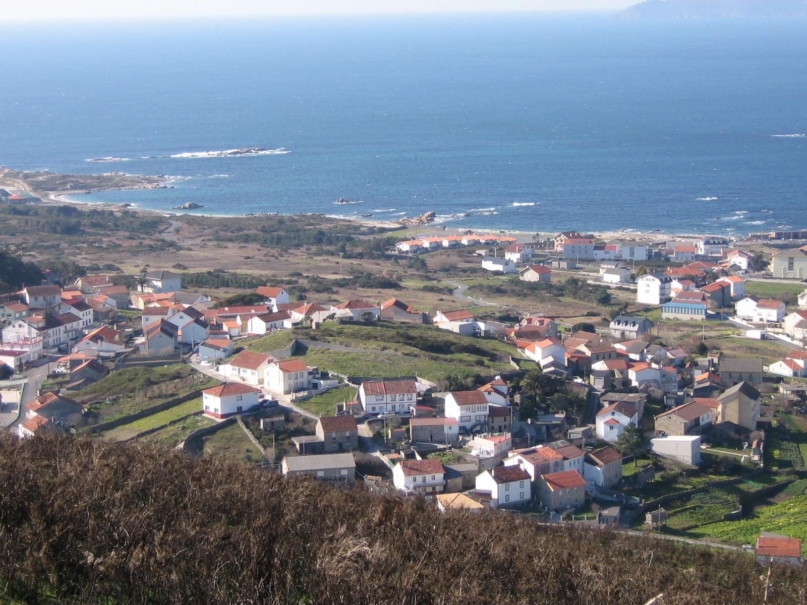 Foto playa Susiños. Castro do Miñarzo desde o monte de Lira