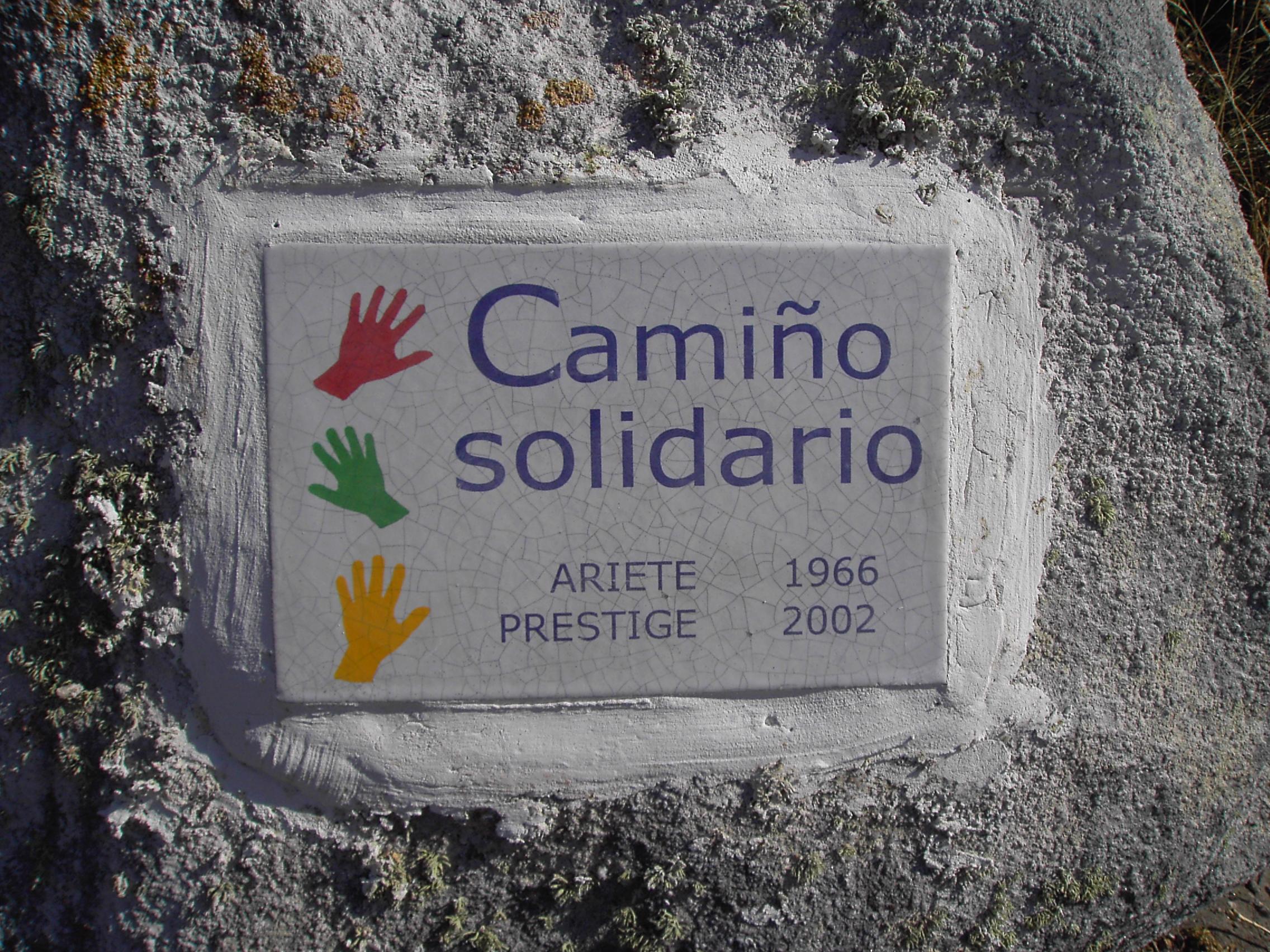 Foto playa Ardeleiro. Comezo do Camiño Solidario en homenaxe ao rescate do Ariete e voluntariado do Prestige
