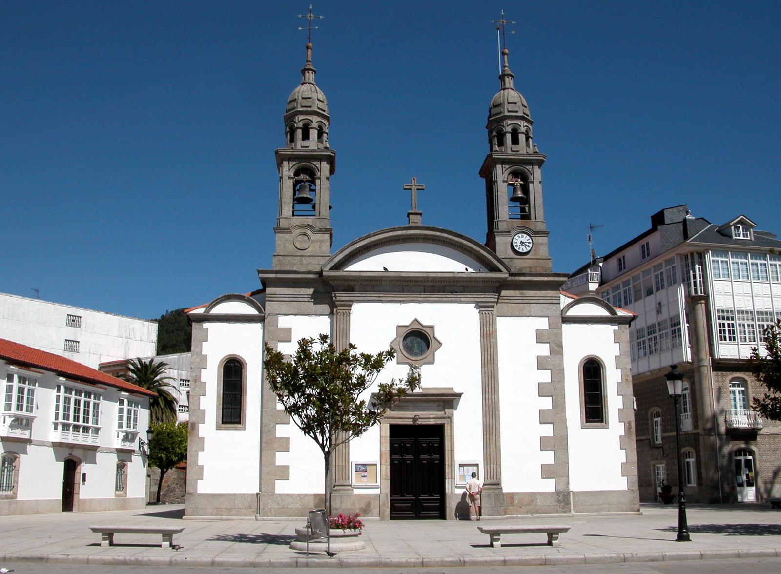Foto playa A Concha. CAMINO DE SANTIAGO (2005). CEE (La Coruña). Iglesia de Santa María.