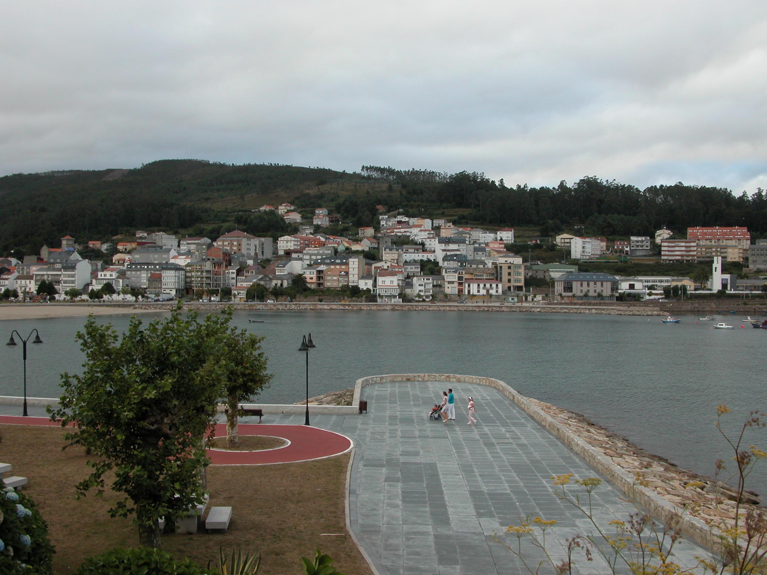 """Foto playa Quenxe / Corcubión. CAMINO DE SANTIAGO (2005). CORCUBIÃ""""N (La Coruña)."""